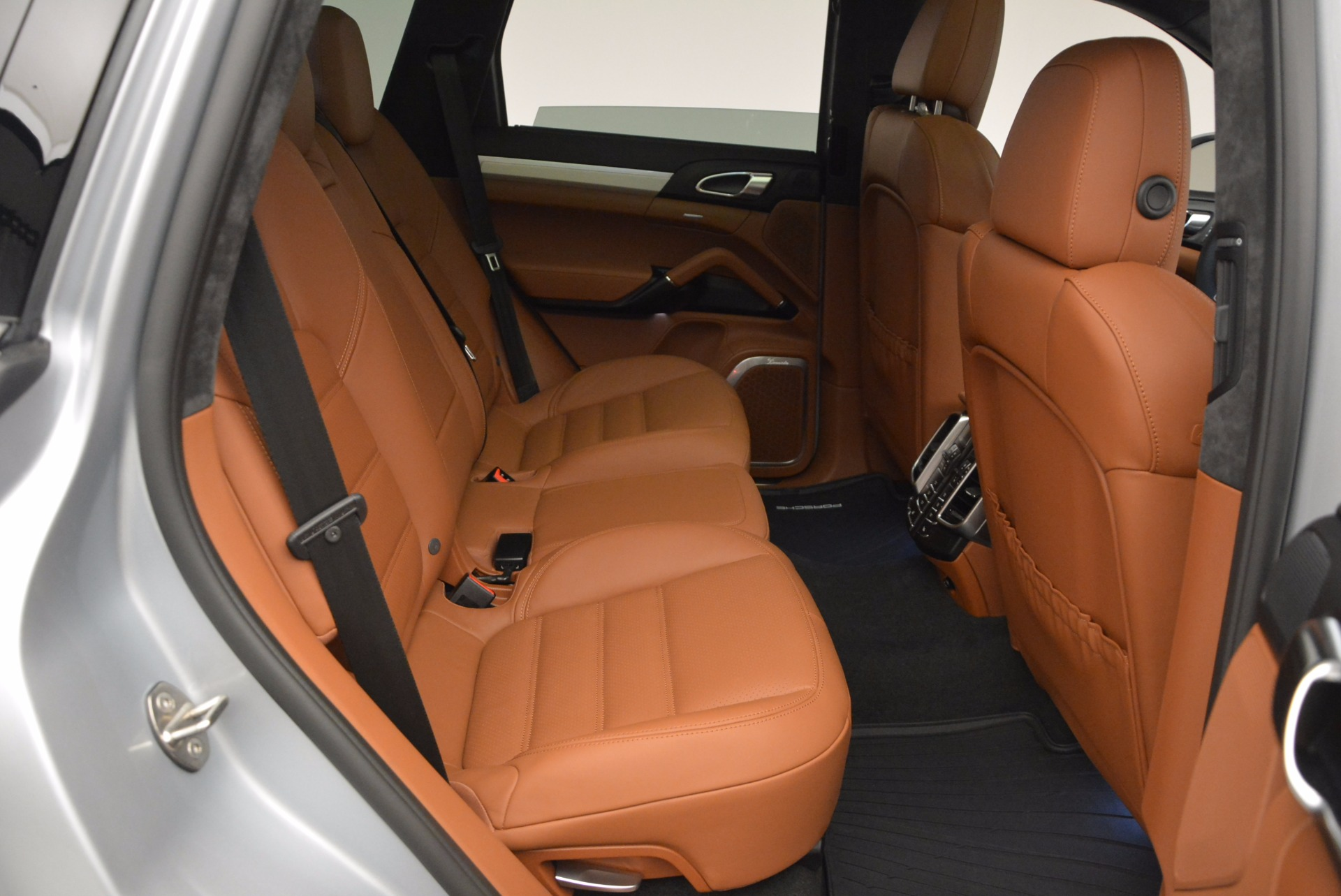 Used 2016 Porsche Cayenne Turbo For Sale In Greenwich, CT 1000_p36