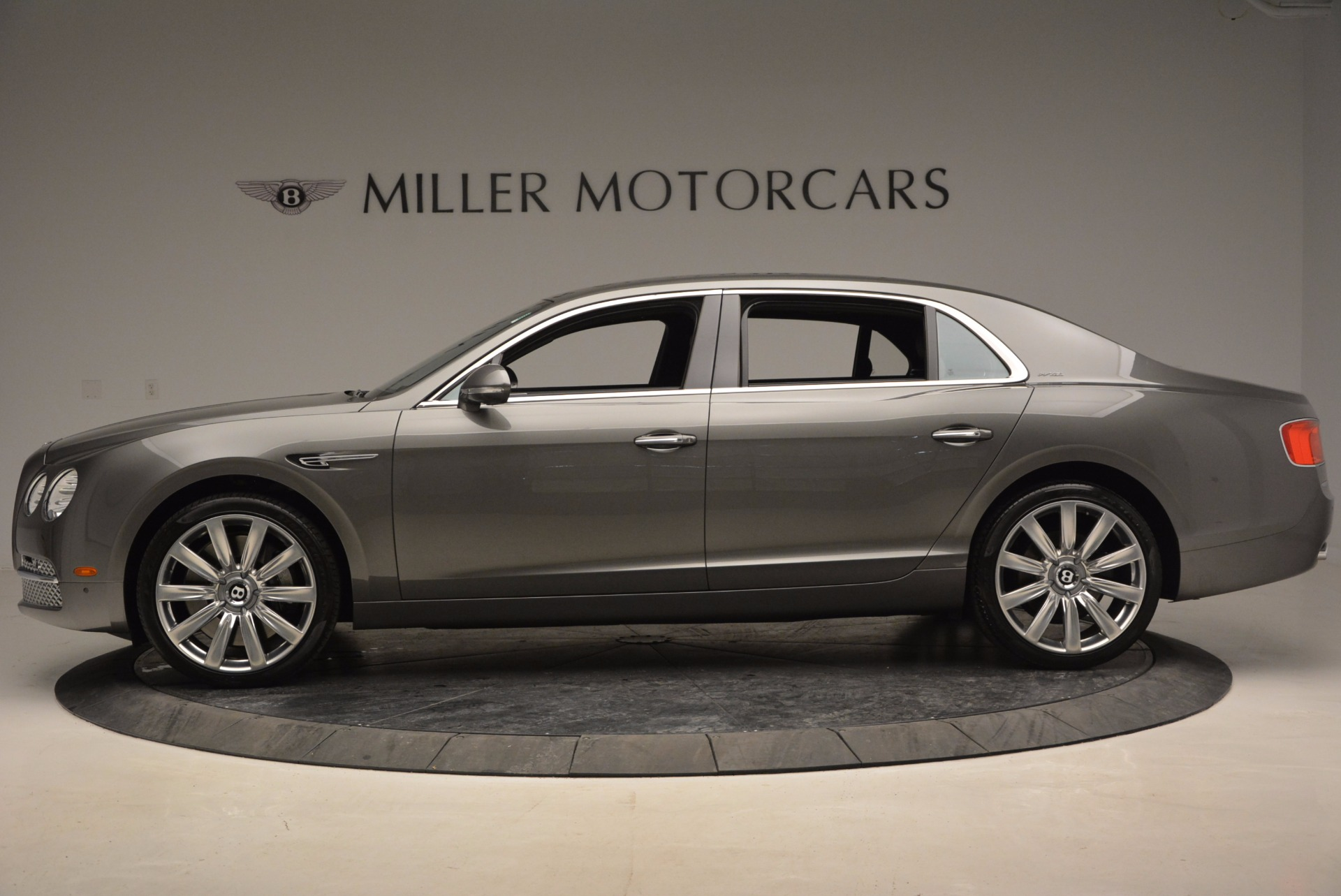 Used 2014 Bentley Flying Spur  For Sale In Greenwich, CT 1009_p3
