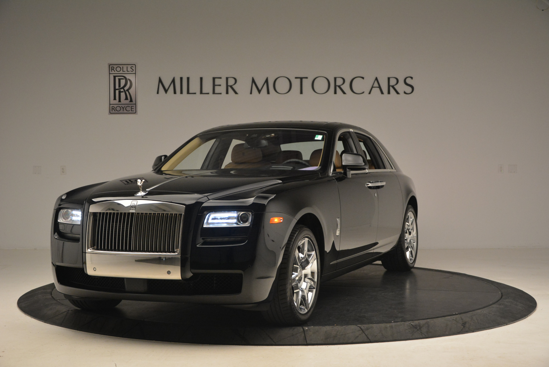 Used 2013 Rolls-Royce Ghost  For Sale In Greenwich, CT 1014_main