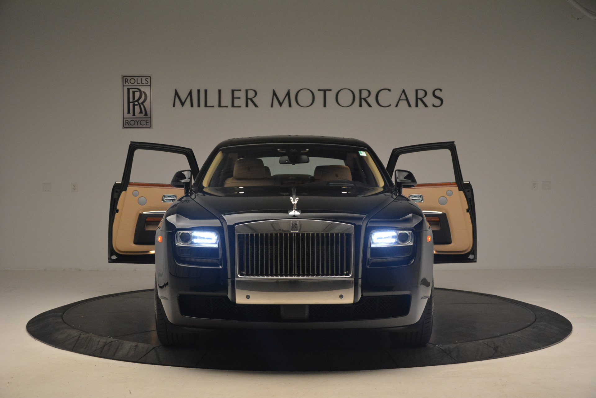 Used 2013 Rolls-Royce Ghost  For Sale In Greenwich, CT 1014_p13