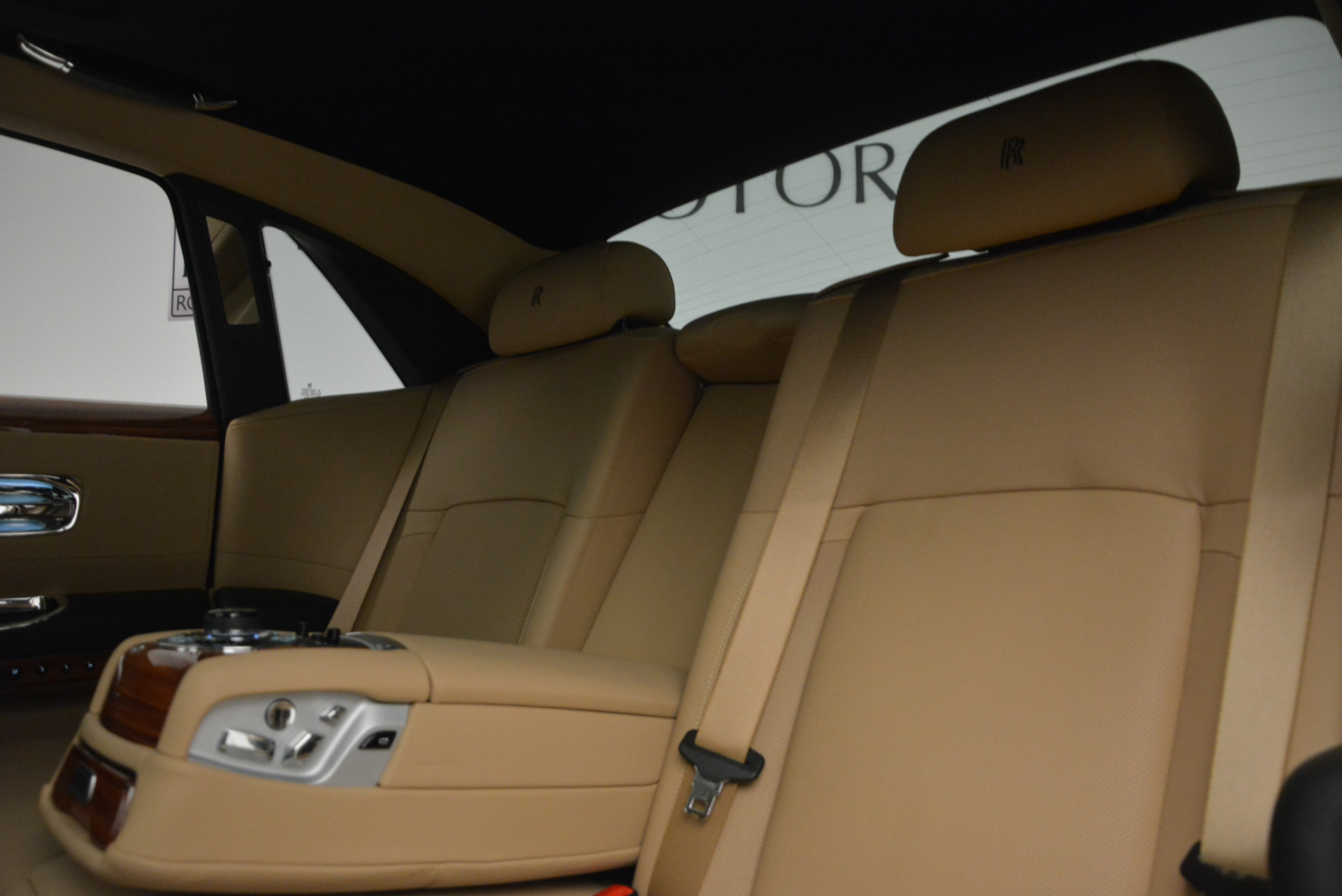 Used 2013 Rolls-Royce Ghost  For Sale In Greenwich, CT 1014_p20
