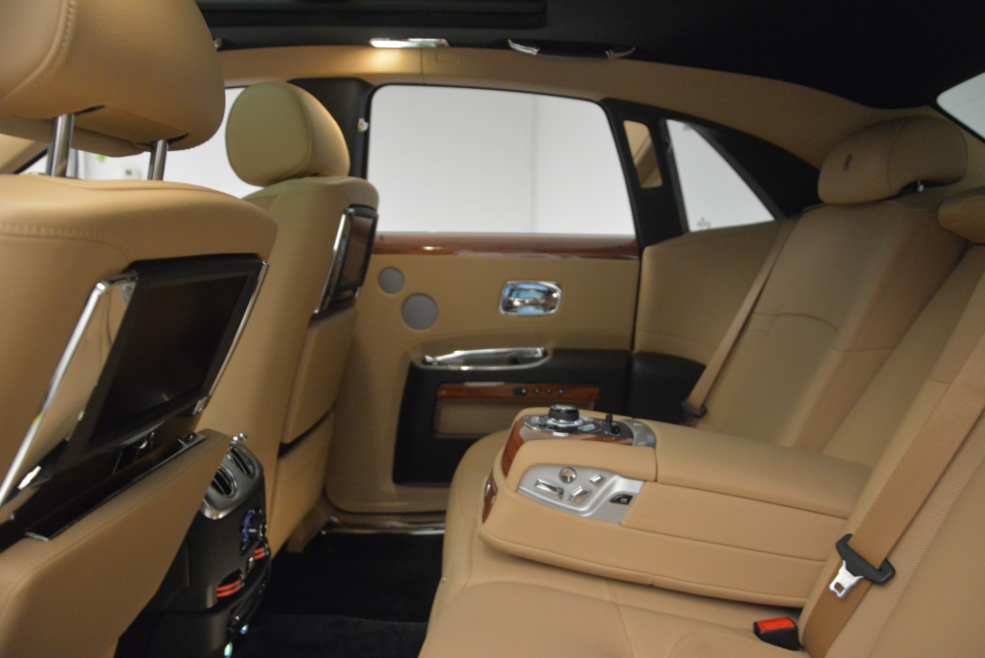 Used 2013 Rolls-Royce Ghost  For Sale In Greenwich, CT 1014_p21