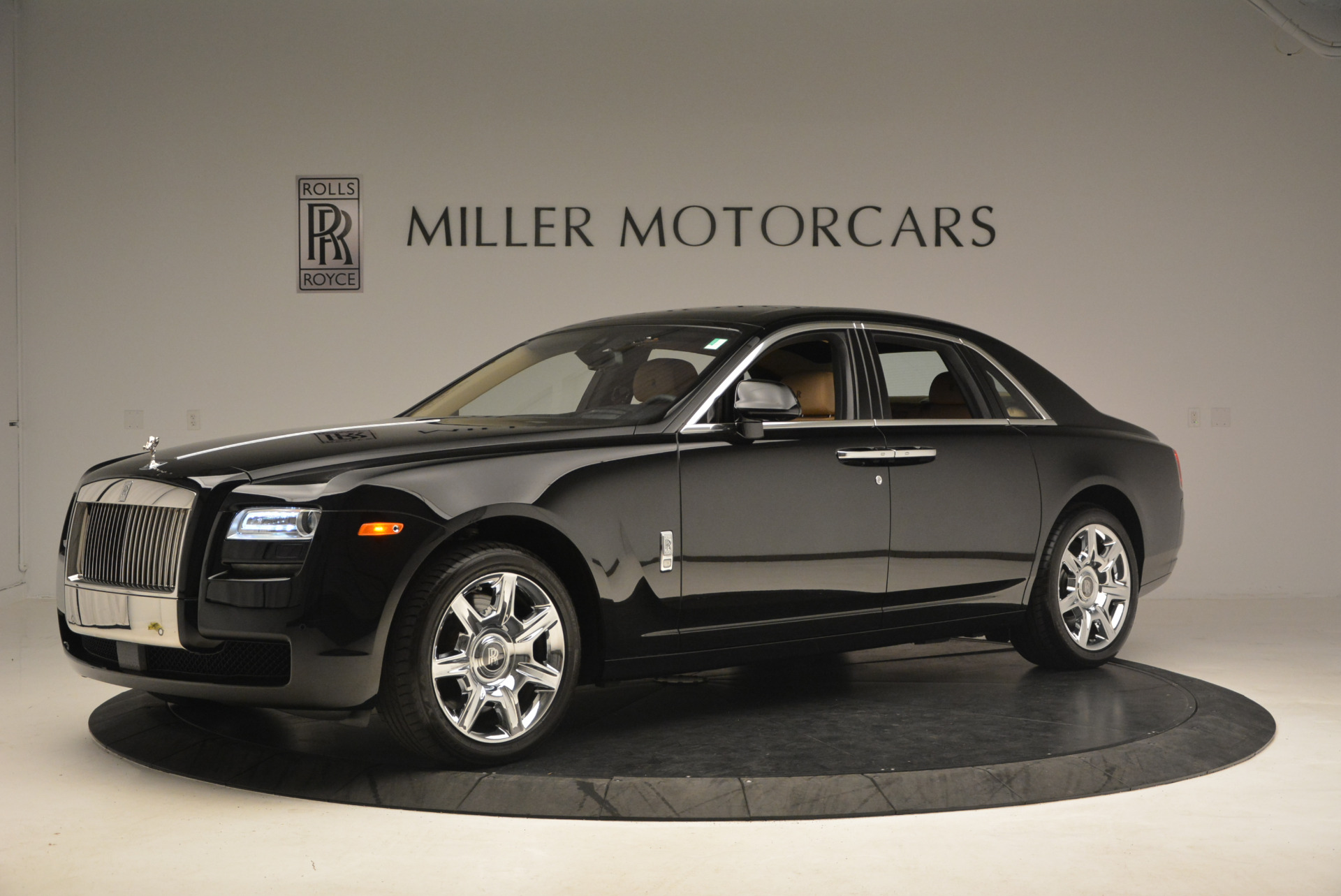 Used 2013 Rolls-Royce Ghost  For Sale In Greenwich, CT 1014_p2