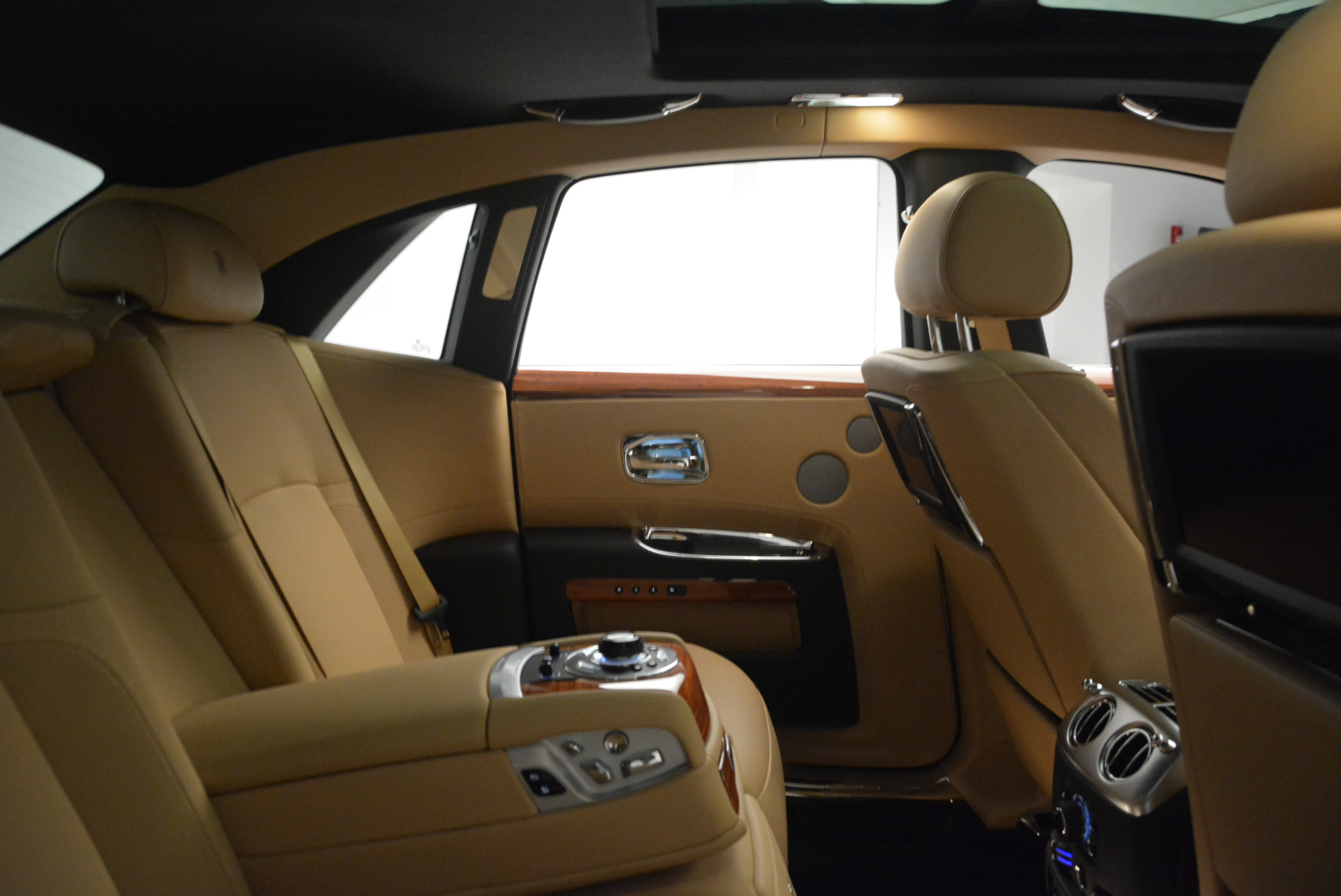 Used 2013 Rolls-Royce Ghost  For Sale In Greenwich, CT 1014_p32