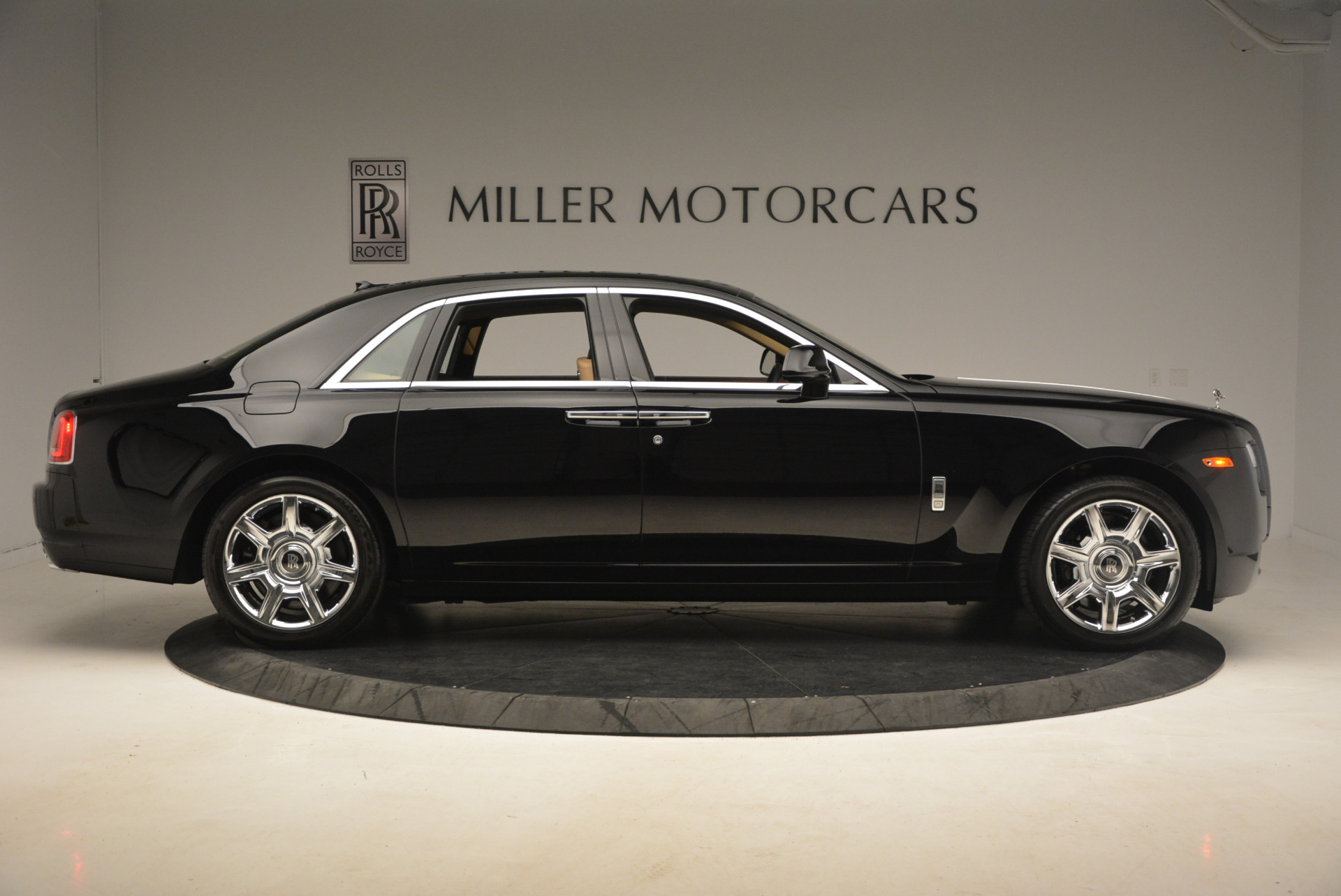 Used 2013 Rolls-Royce Ghost  For Sale In Greenwich, CT 1014_p9
