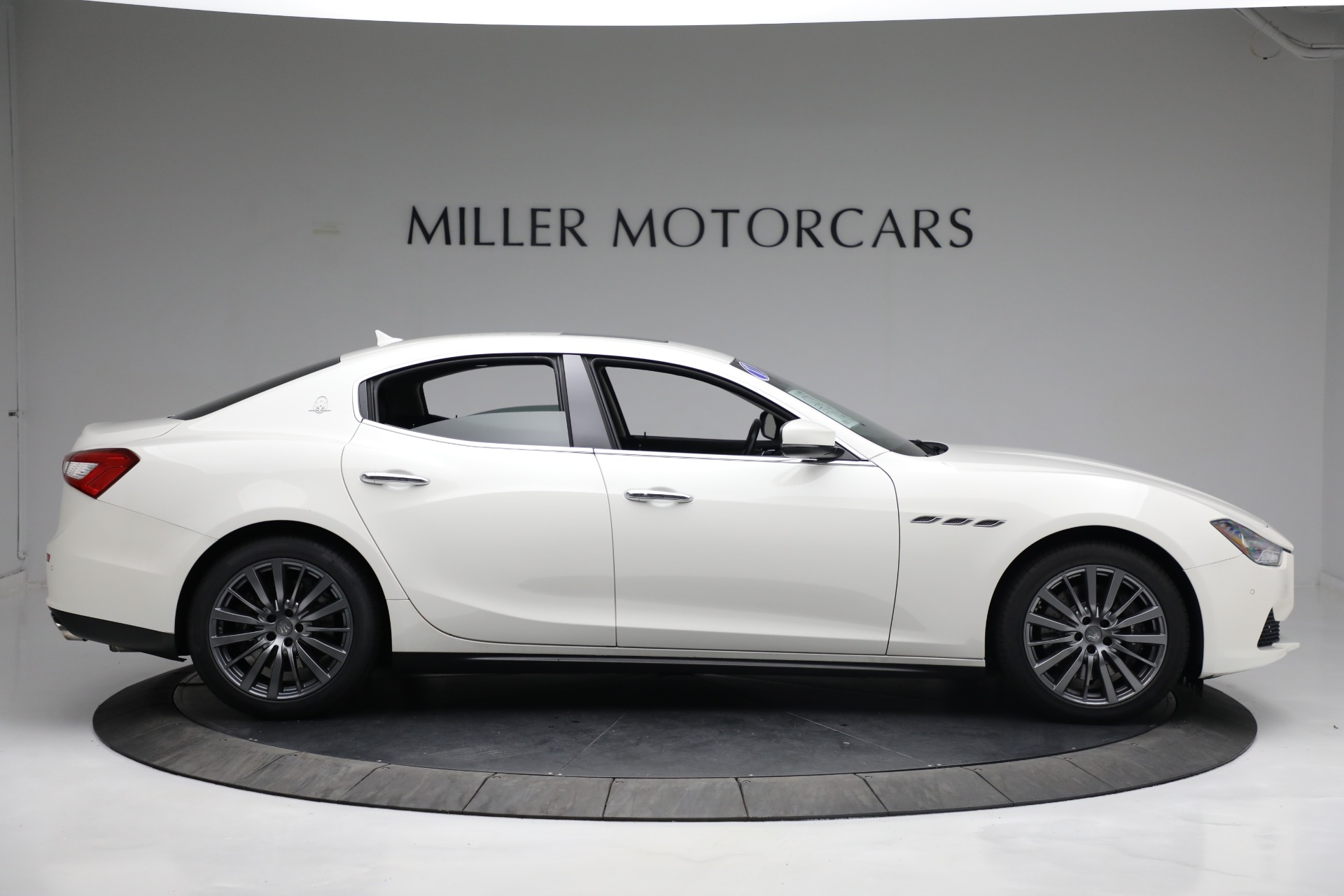 New 2017 Maserati Ghibli S Q4 EX-Loaner For Sale In Greenwich, CT 1019_p9