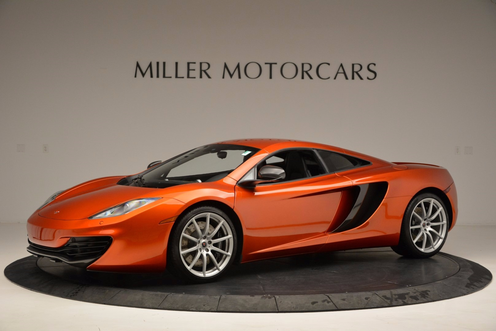 Used 2012 McLaren MP4-12C  For Sale In Greenwich, CT 1035_p2