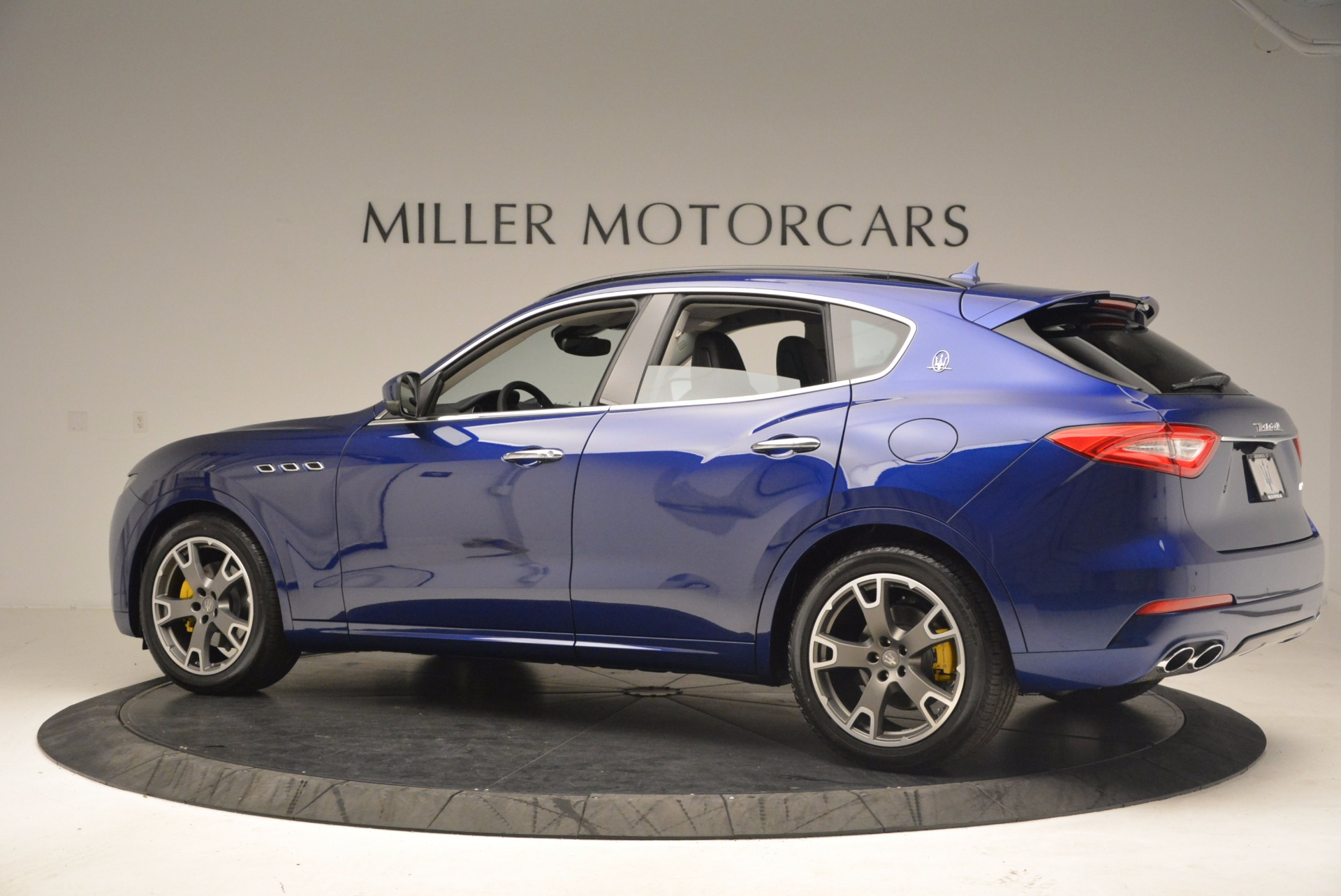 Used 2017 Maserati Levante  For Sale In Greenwich, CT 1046_p4
