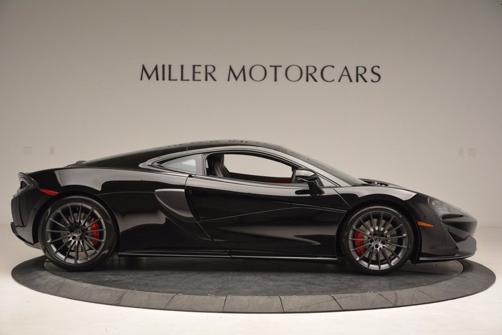 Used 2017 McLaren 570GT  For Sale In Greenwich, CT 1055_p9