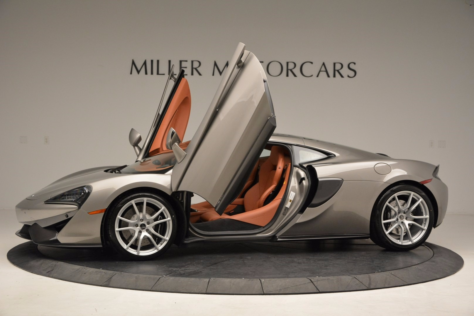 Used 2017 McLaren 570GT  For Sale In Greenwich, CT 1056_p14