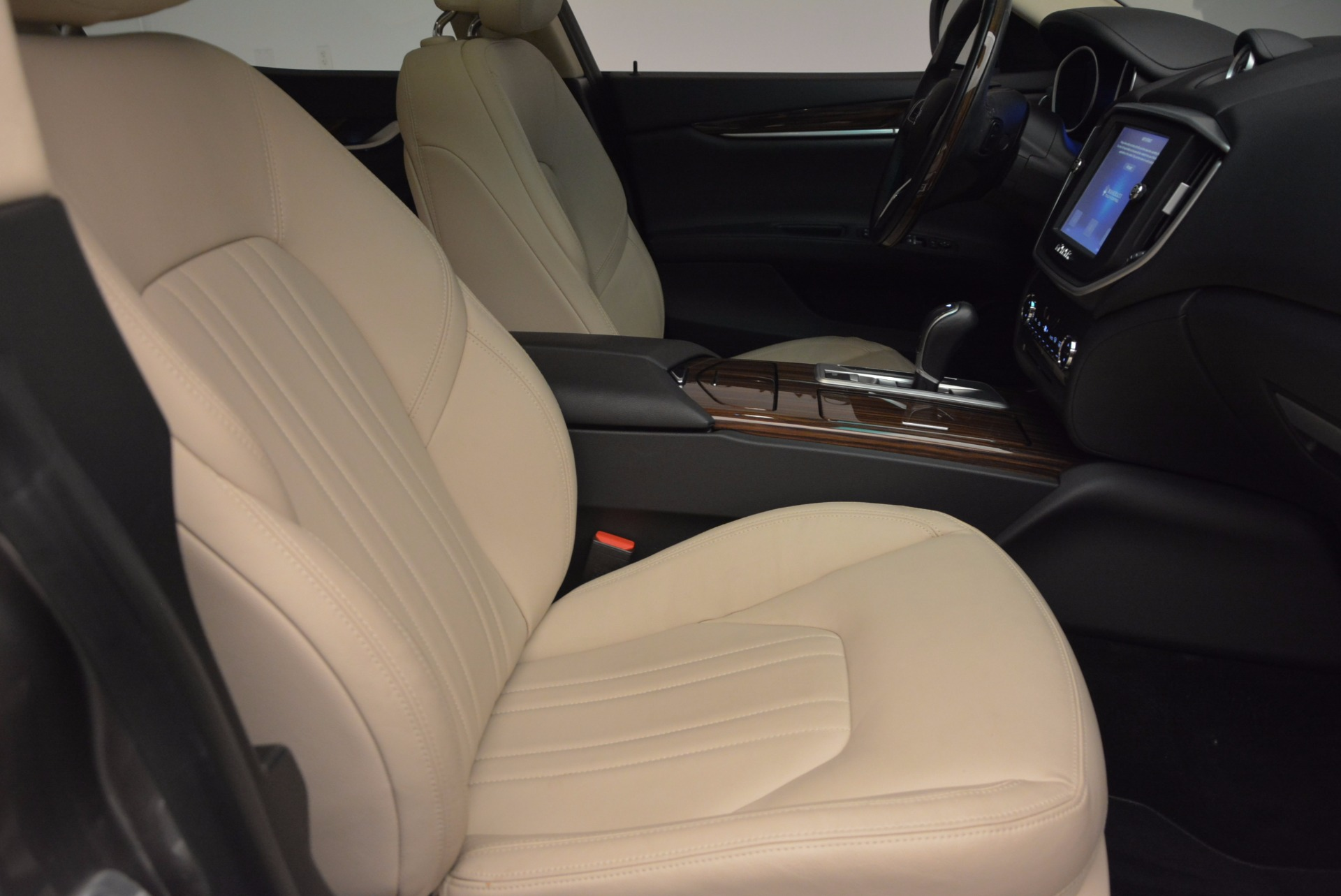 Used 2015 Maserati Ghibli S Q4 For Sale In Greenwich, CT 1059_p20