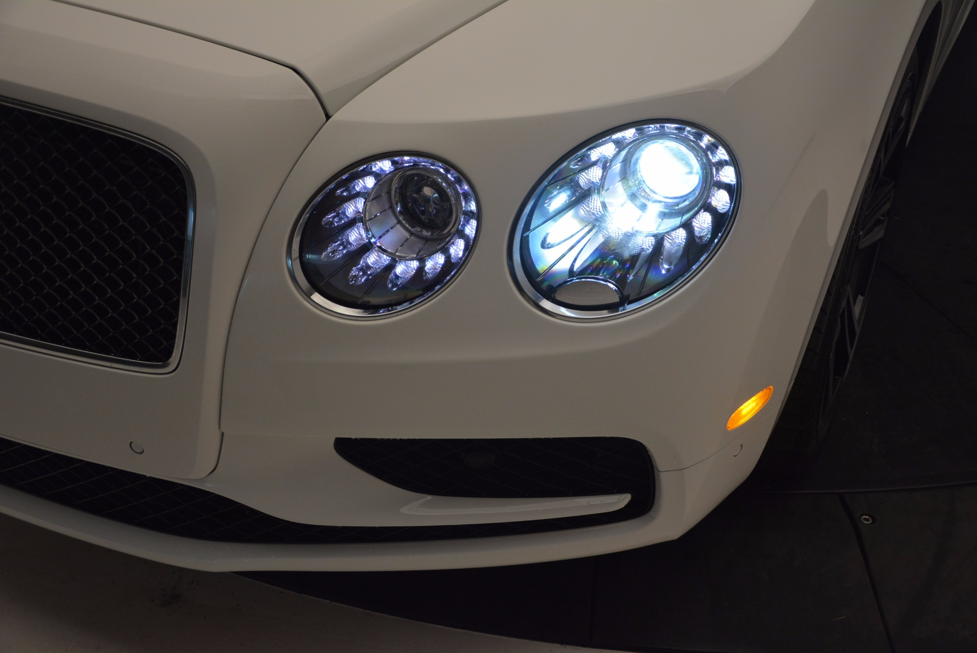New 2017 Bentley Flying Spur V8 S For Sale In Greenwich, CT 1060_p16