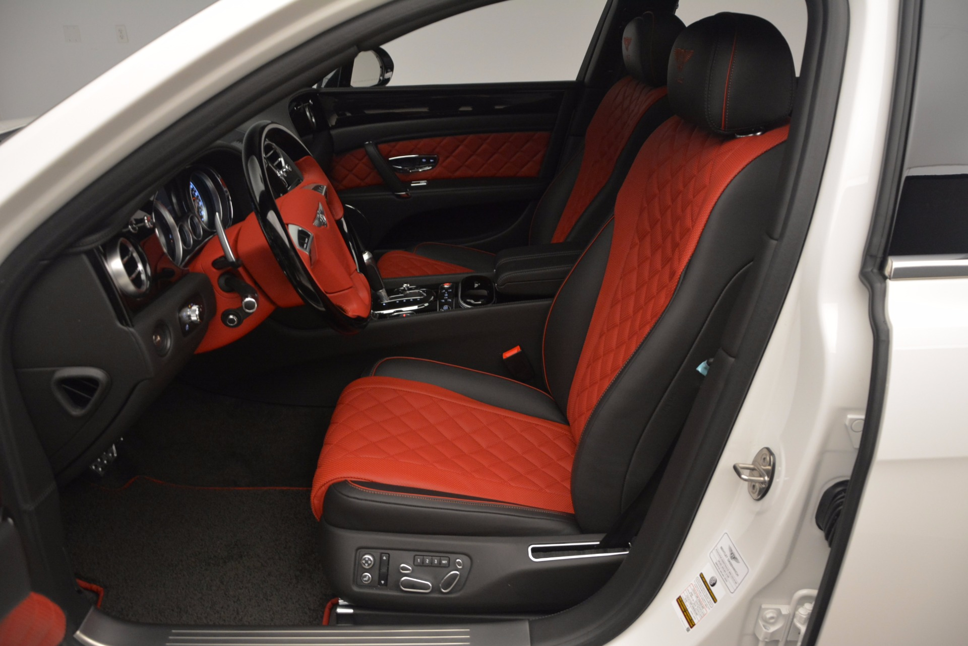 New 2017 Bentley Flying Spur V8 S For Sale In Greenwich, CT 1060_p25