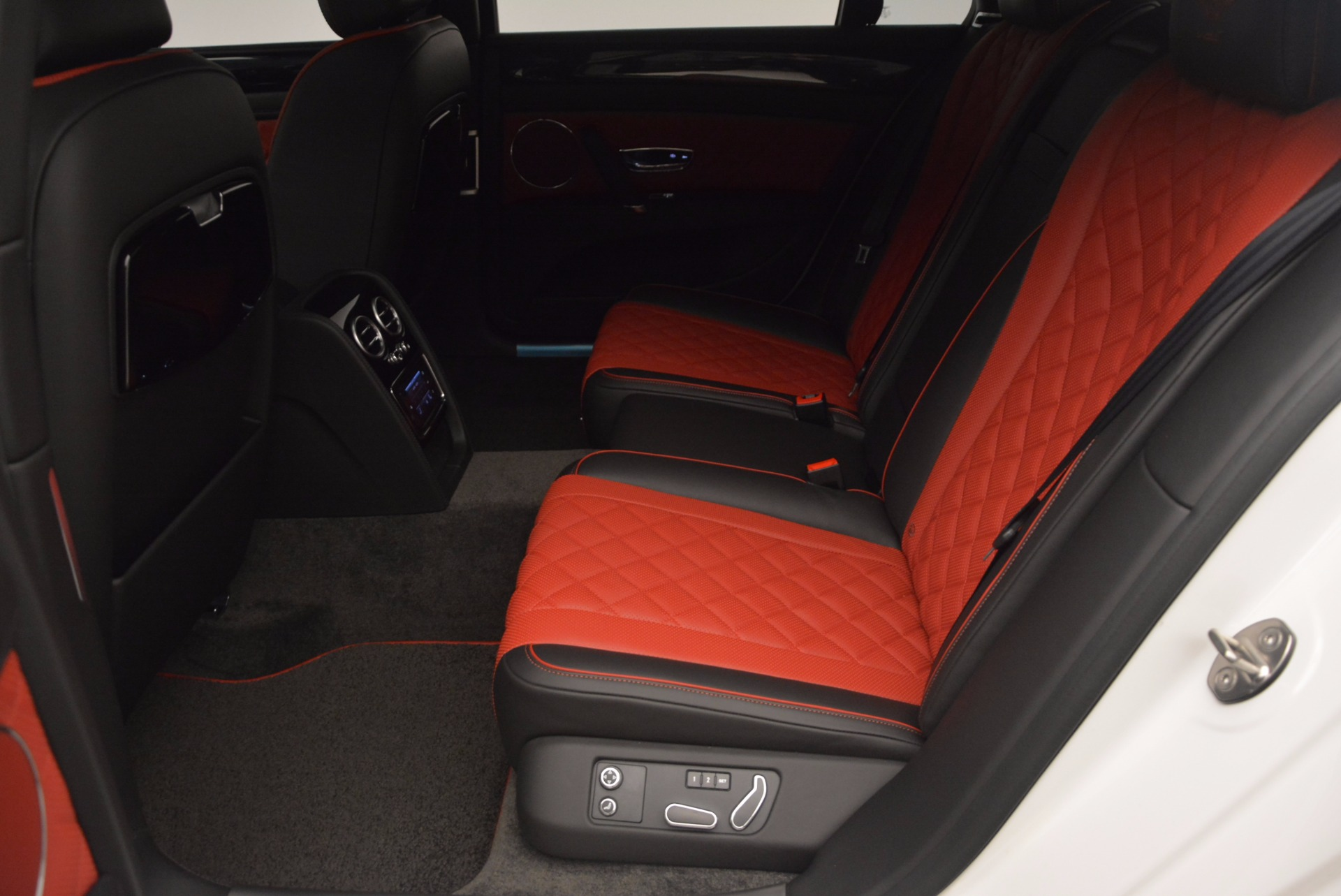 New 2017 Bentley Flying Spur V8 S For Sale In Greenwich, CT 1060_p33