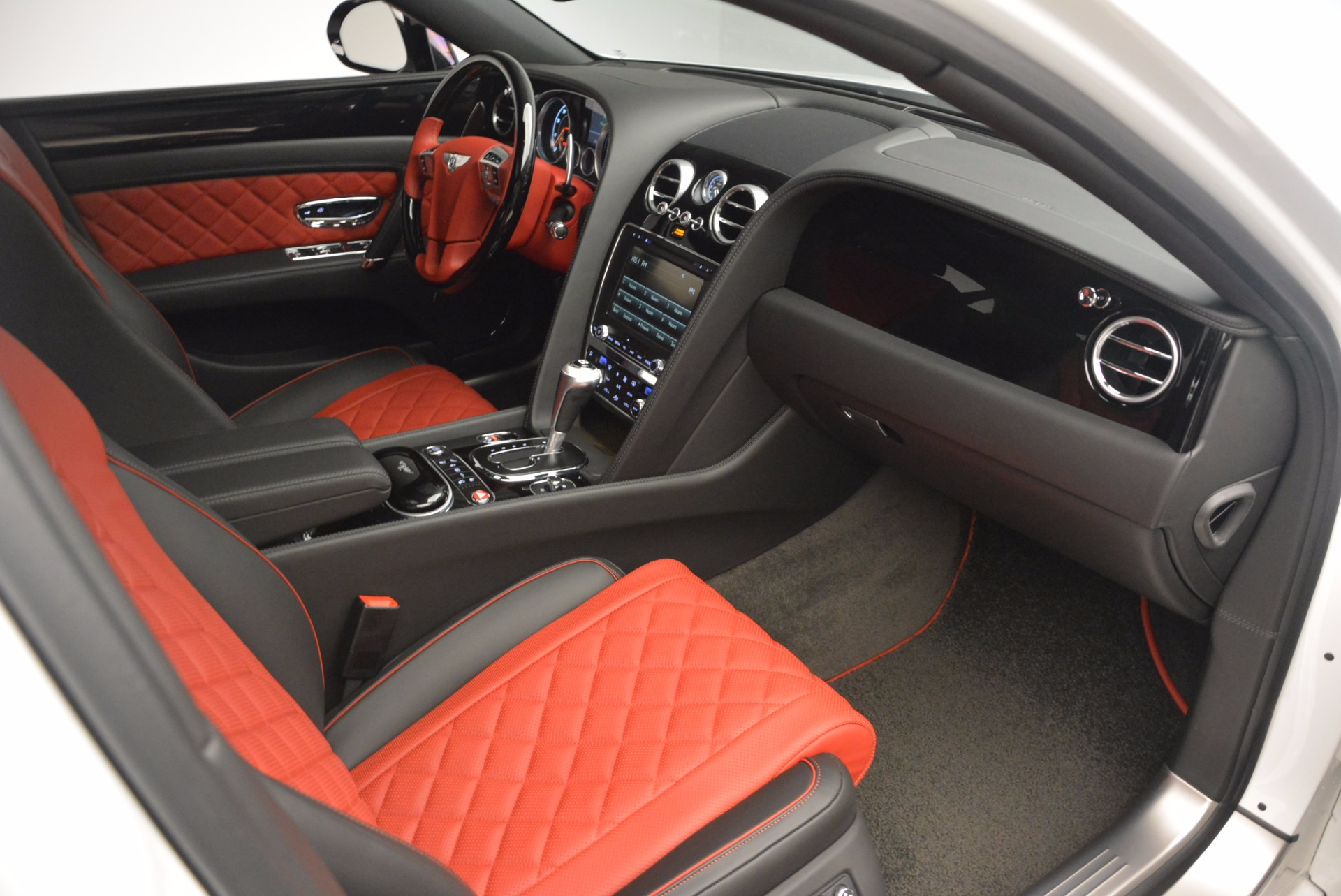 New 2017 Bentley Flying Spur V8 S For Sale In Greenwich, CT 1060_p39