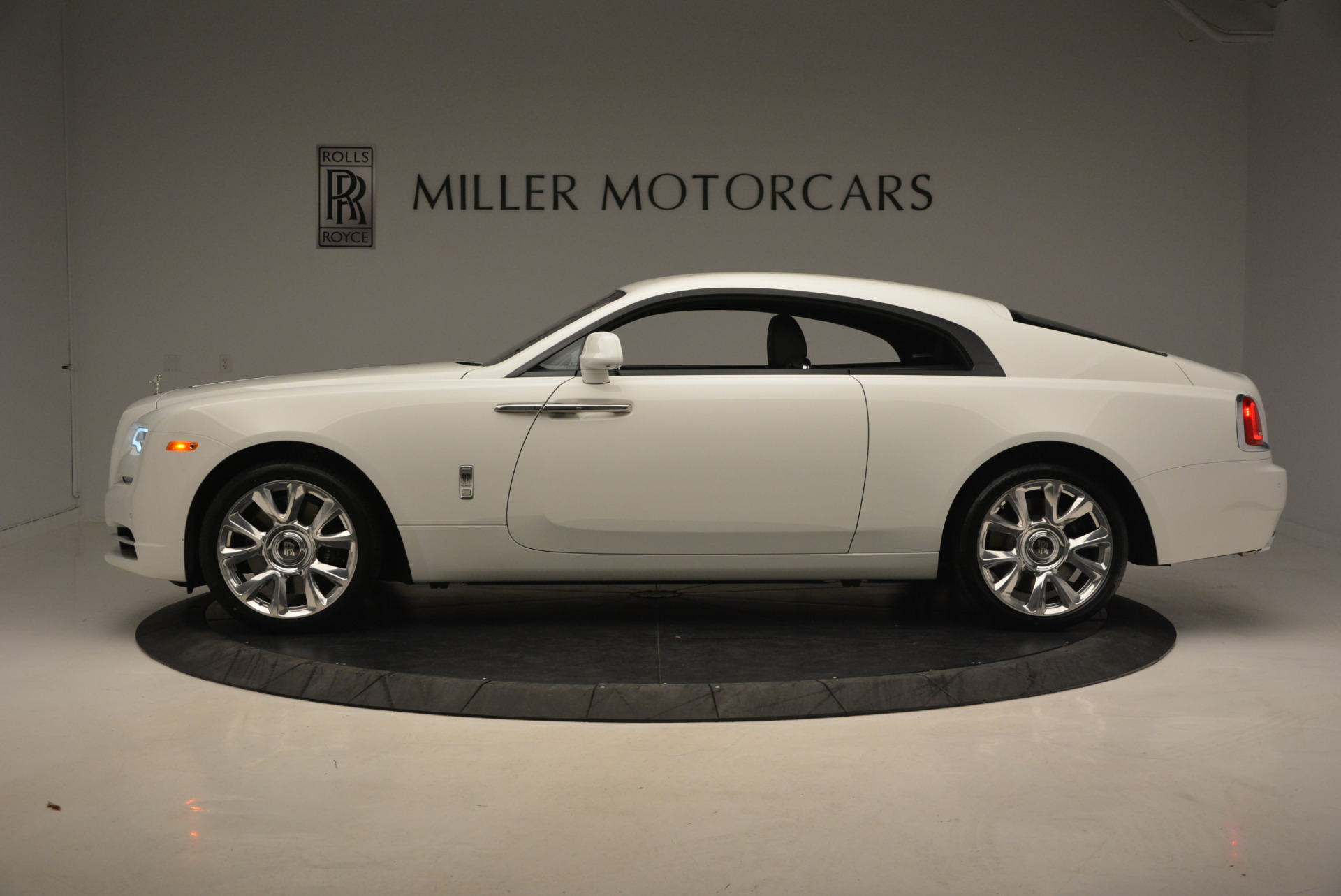 New 2017 Rolls-Royce Wraith  For Sale In Greenwich, CT 1061_p3