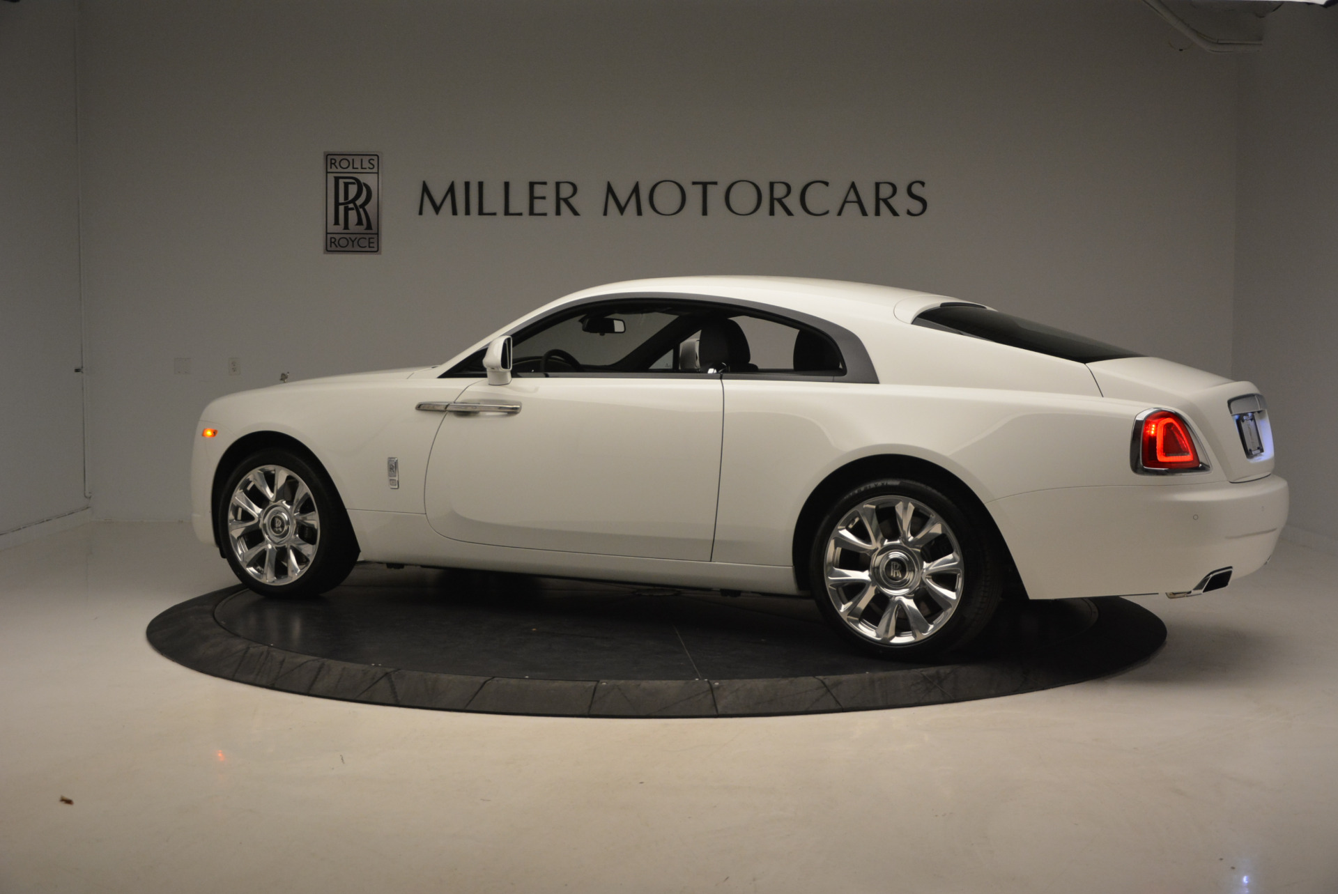 New 2017 Rolls-Royce Wraith  For Sale In Greenwich, CT 1061_p4