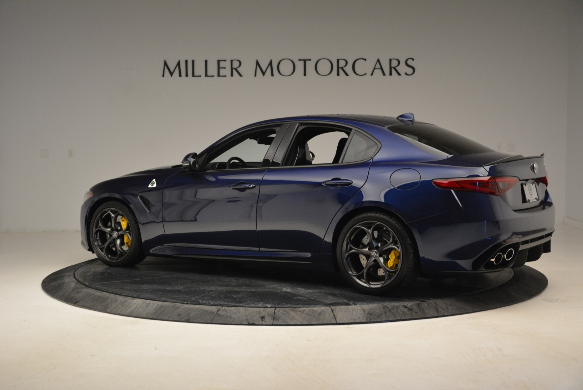 Used 2017 Alfa Romeo Giulia Quadrifoglio For Sale In Greenwich, CT 1079_p4