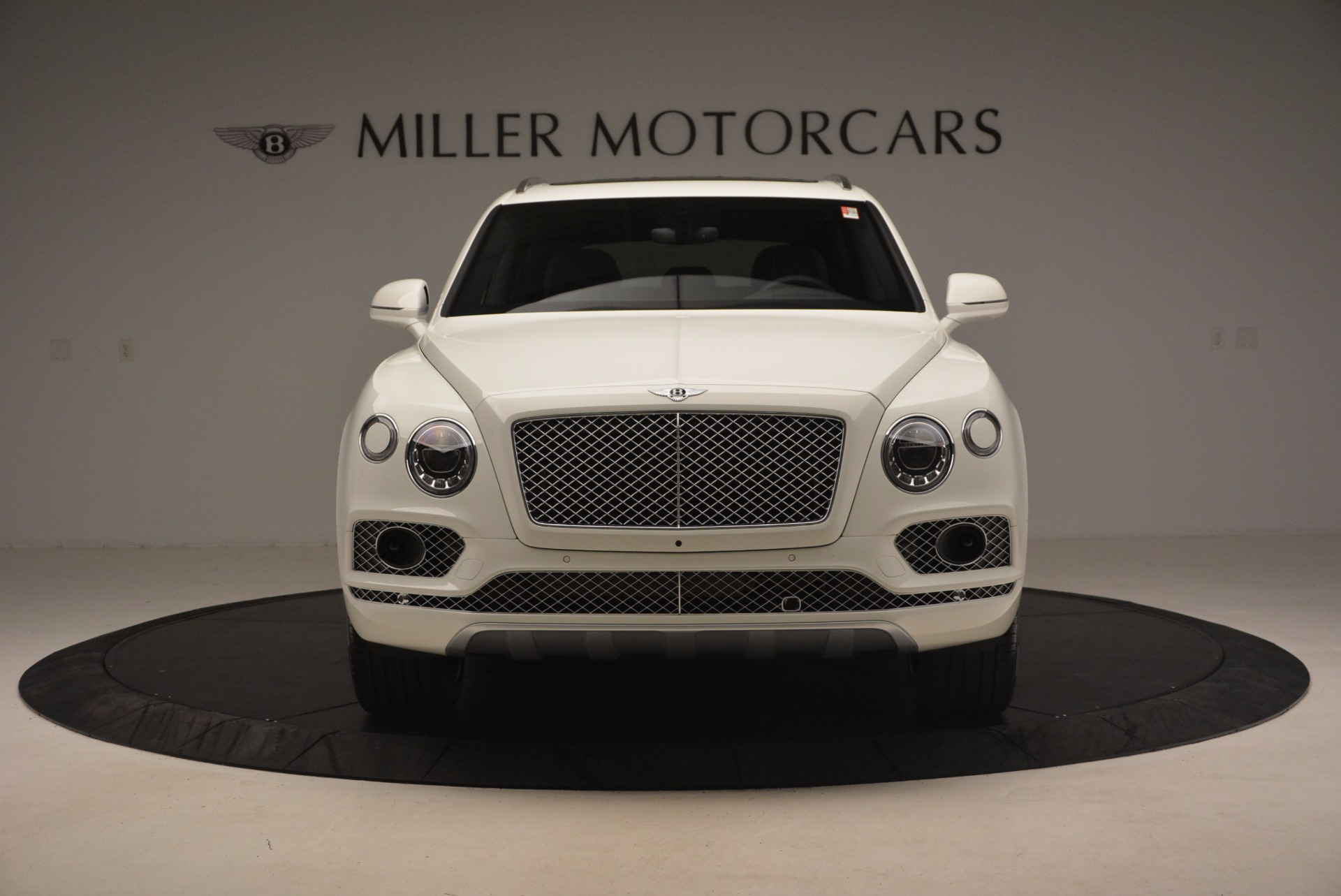 Used 2017 Bentley Bentayga  For Sale In Greenwich, CT 1091_p12