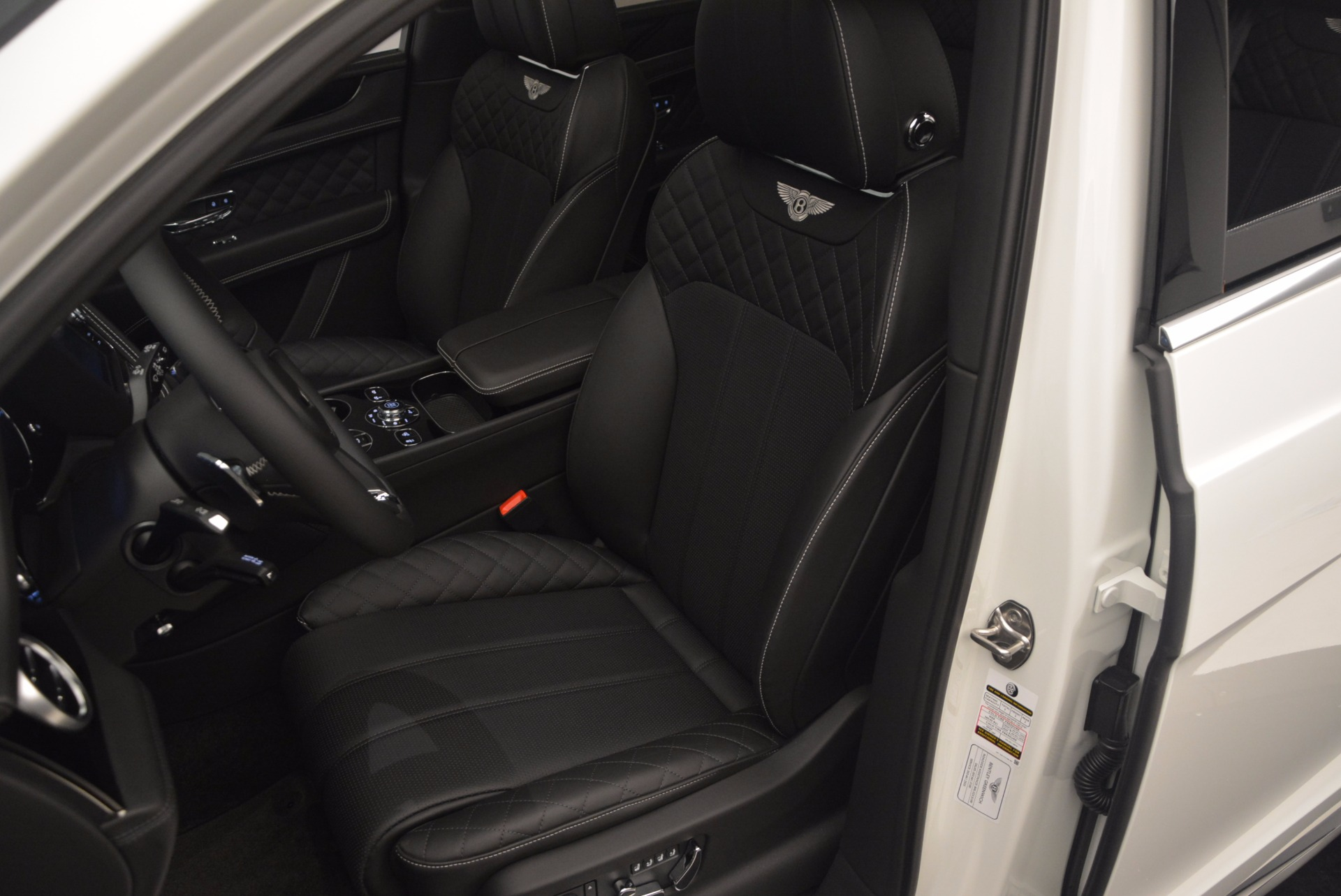 Used 2017 Bentley Bentayga  For Sale In Greenwich, CT 1091_p24