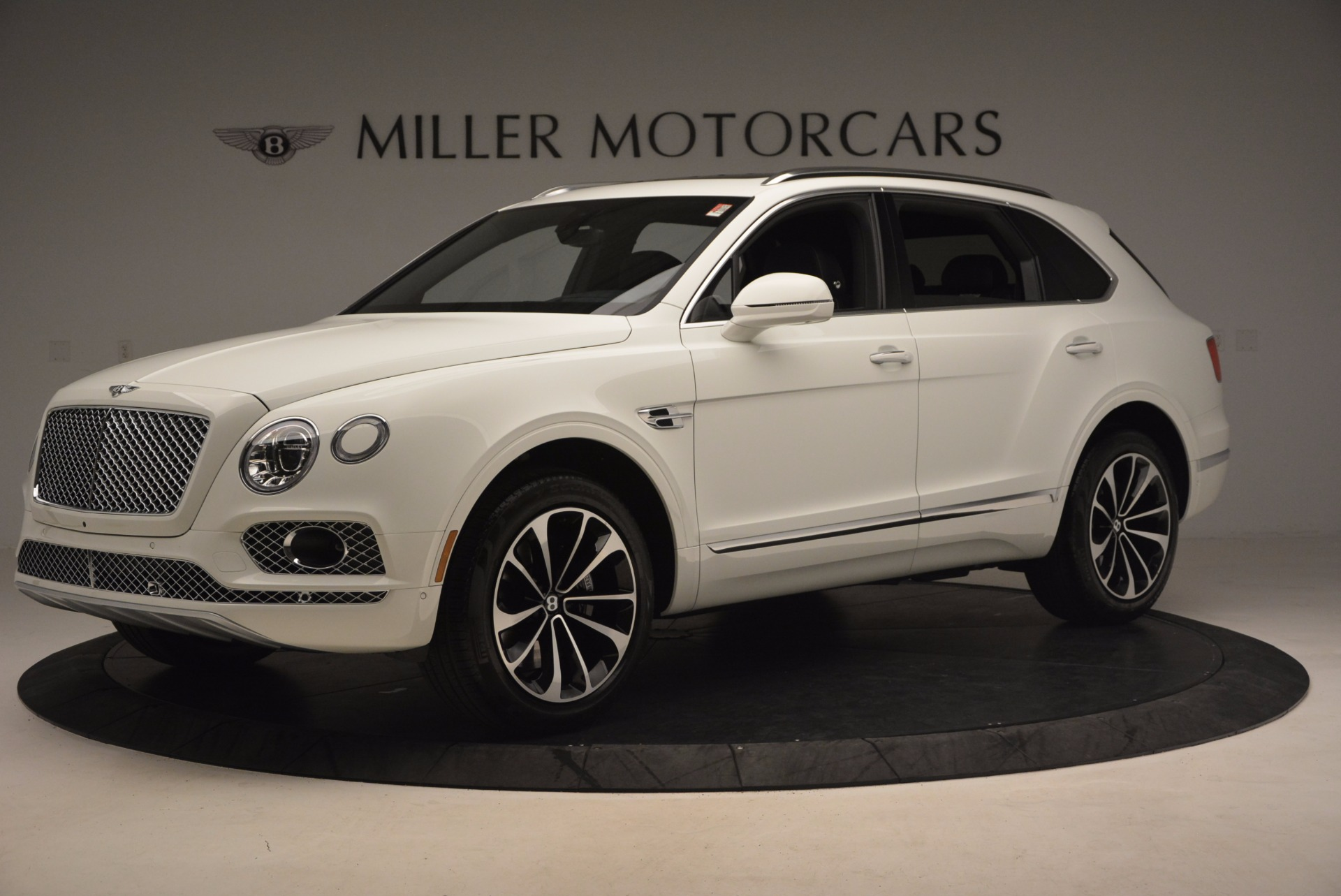 Used 2017 Bentley Bentayga  For Sale In Greenwich, CT 1091_p2