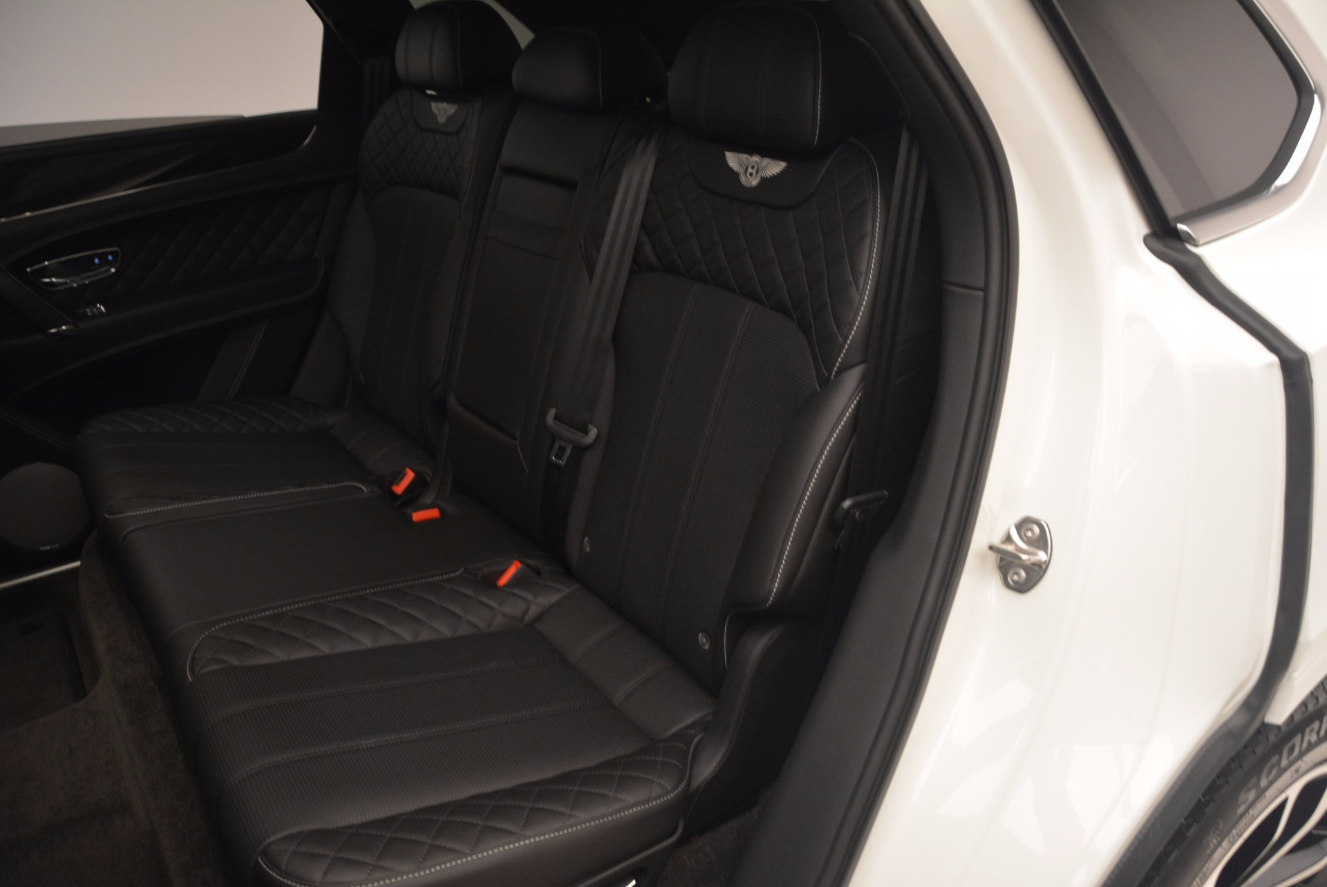 Used 2017 Bentley Bentayga  For Sale In Greenwich, CT 1091_p30