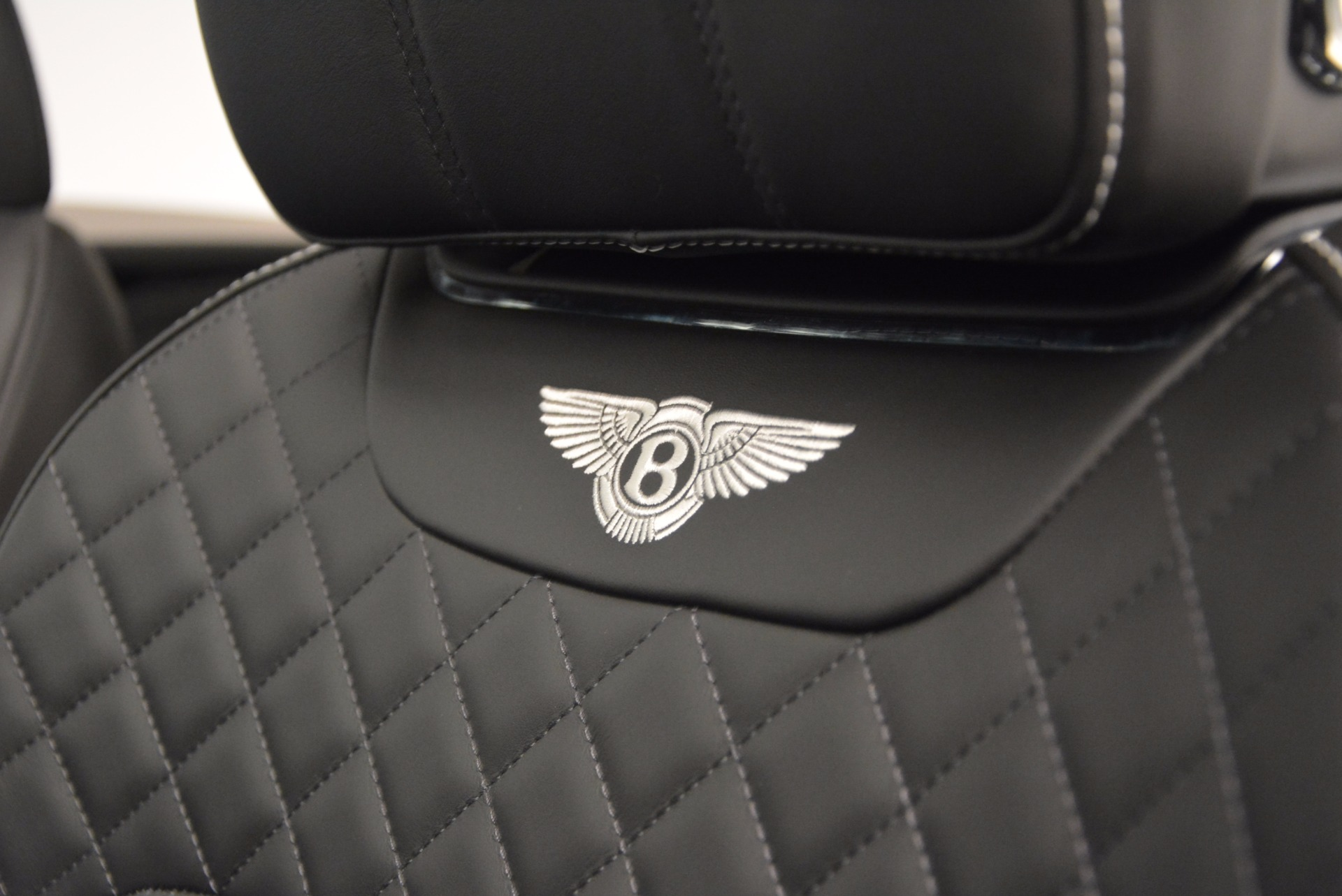 Used 2017 Bentley Bentayga  For Sale In Greenwich, CT 1091_p31