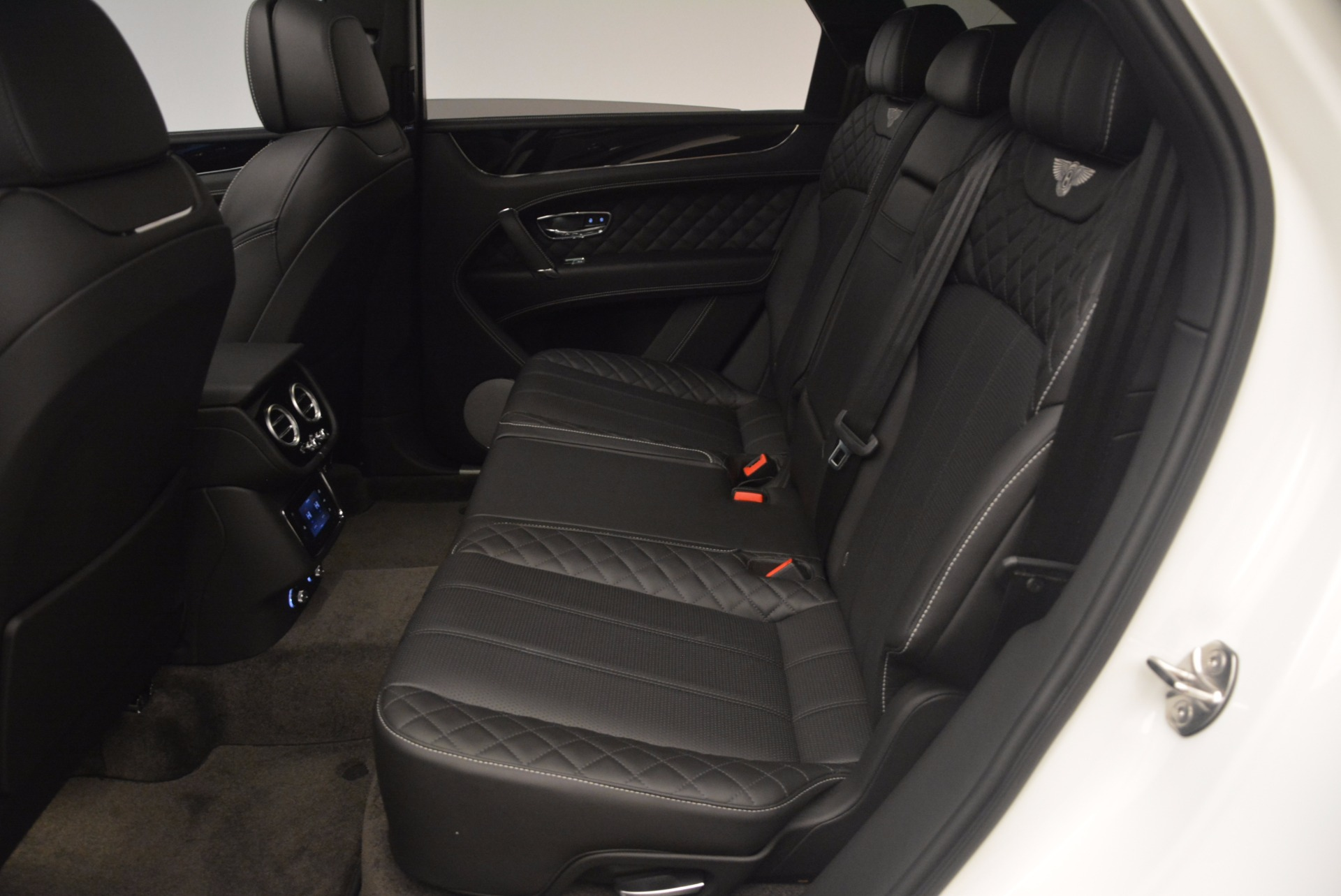 Used 2017 Bentley Bentayga  For Sale In Greenwich, CT 1091_p32