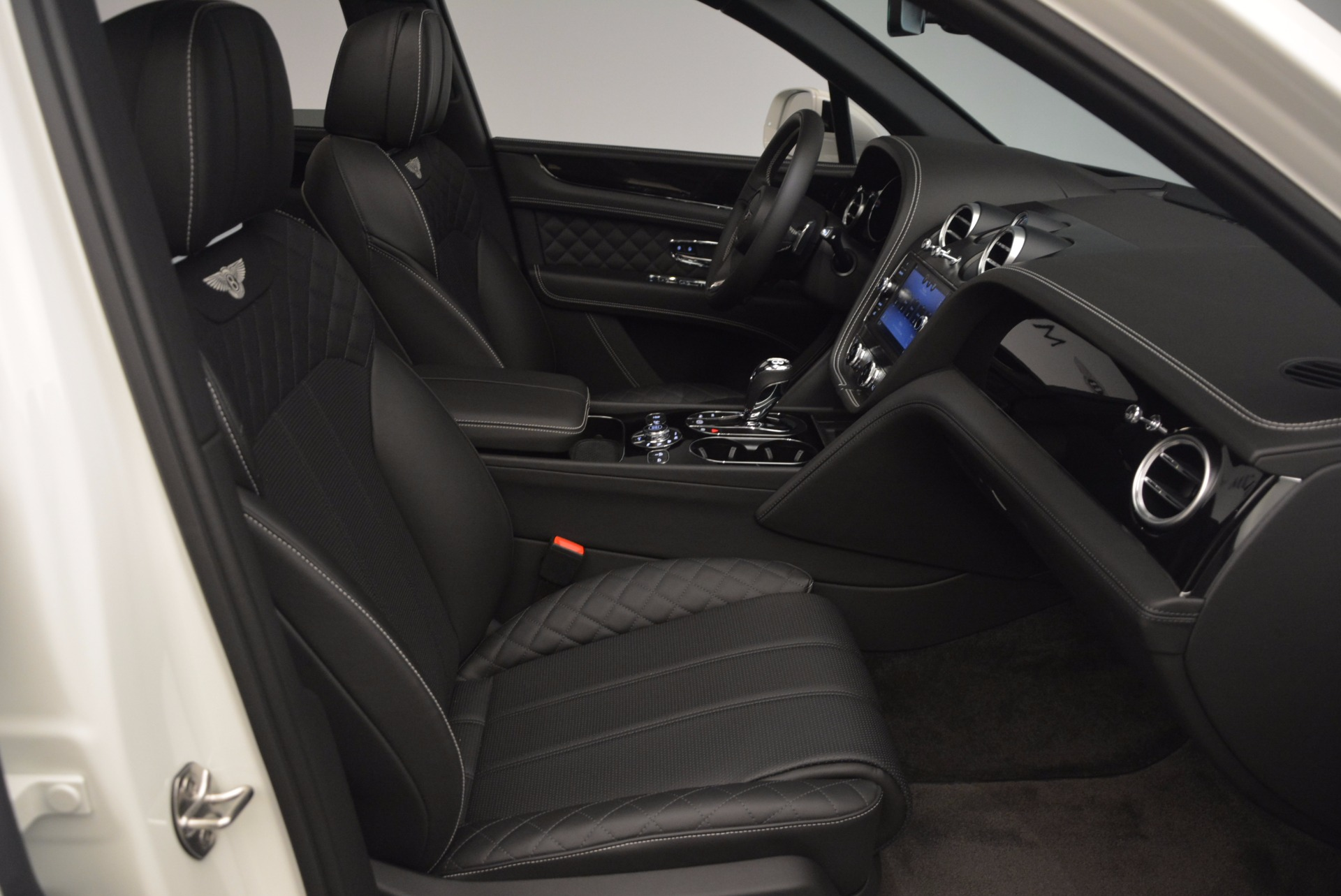 Used 2017 Bentley Bentayga  For Sale In Greenwich, CT 1091_p44
