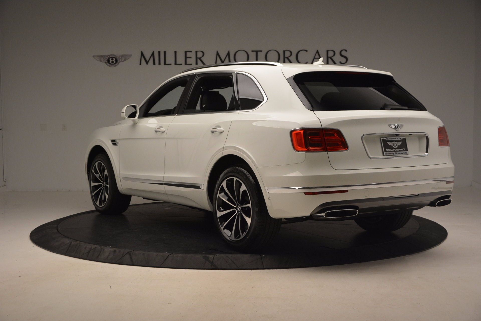 Used 2017 Bentley Bentayga  For Sale In Greenwich, CT 1091_p5