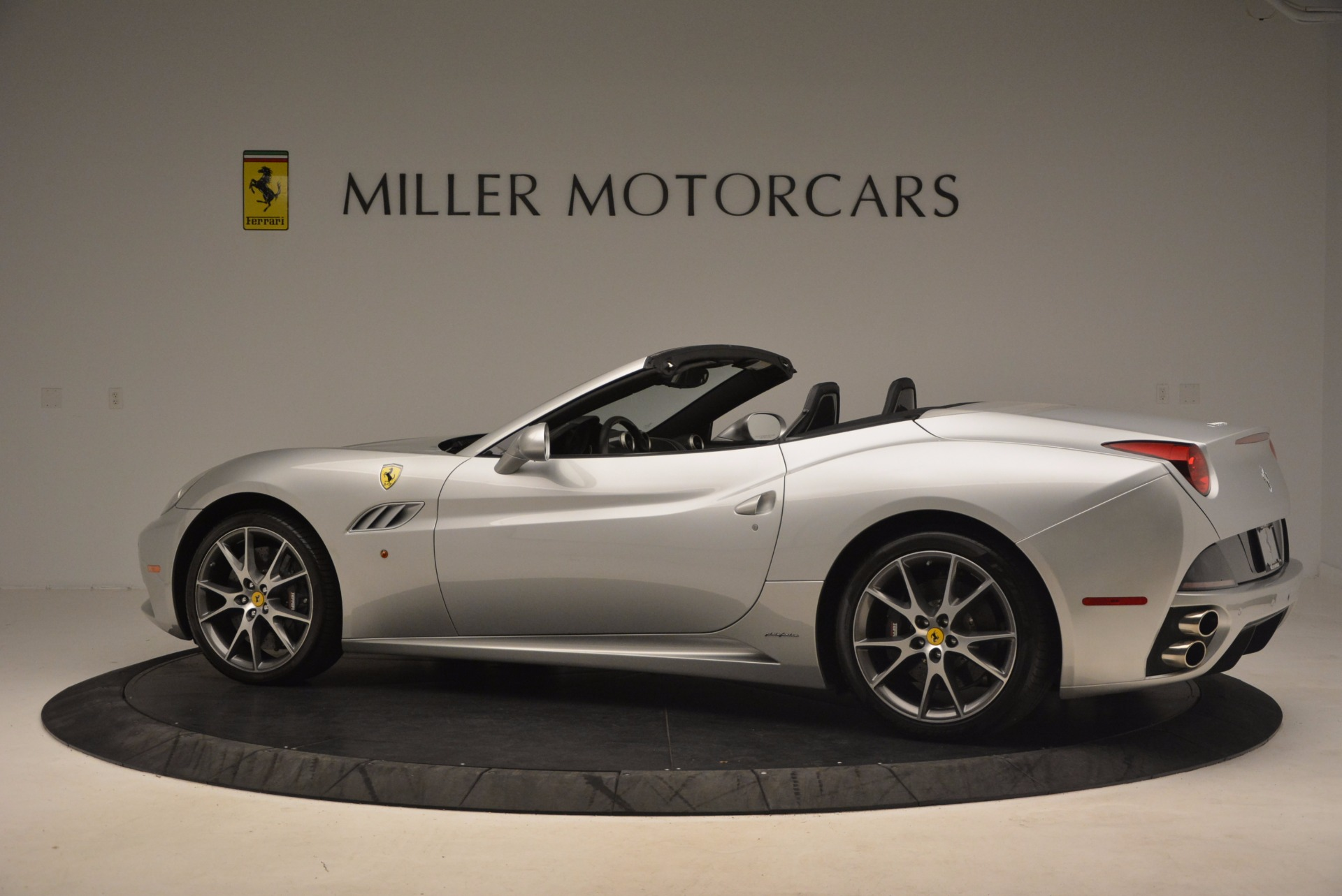 Used 2012 Ferrari California  For Sale In Greenwich, CT 1098_p4