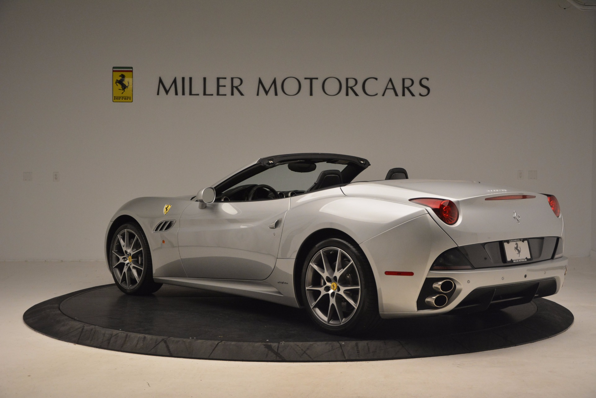 Used 2012 Ferrari California  For Sale In Greenwich, CT 1098_p5