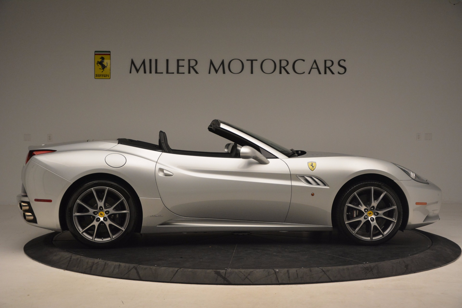 Used 2012 Ferrari California  For Sale In Greenwich, CT 1098_p9
