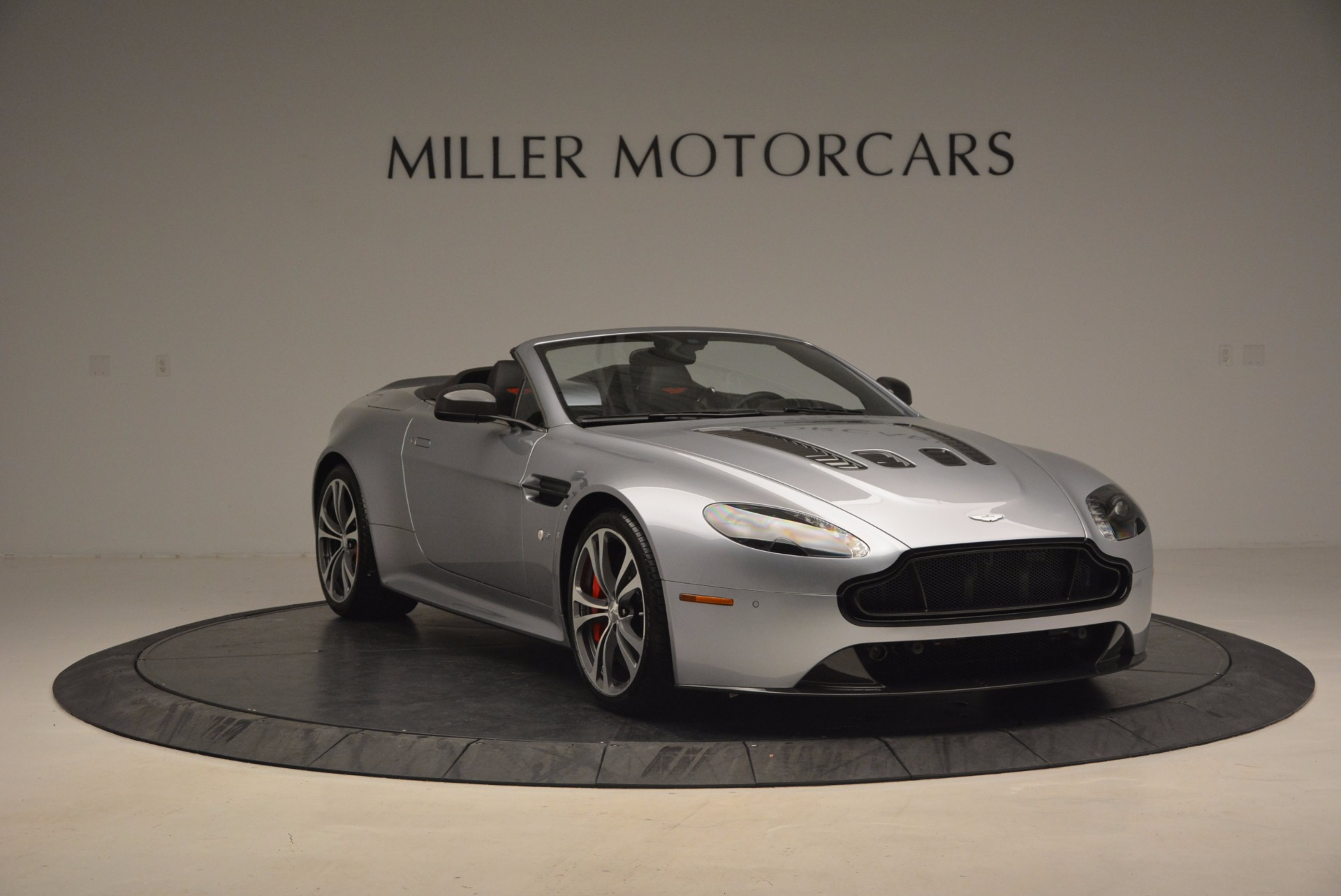Used 2015 Aston Martin V12 Vantage S Roadster For Sale In Greenwich, CT 1130_p11