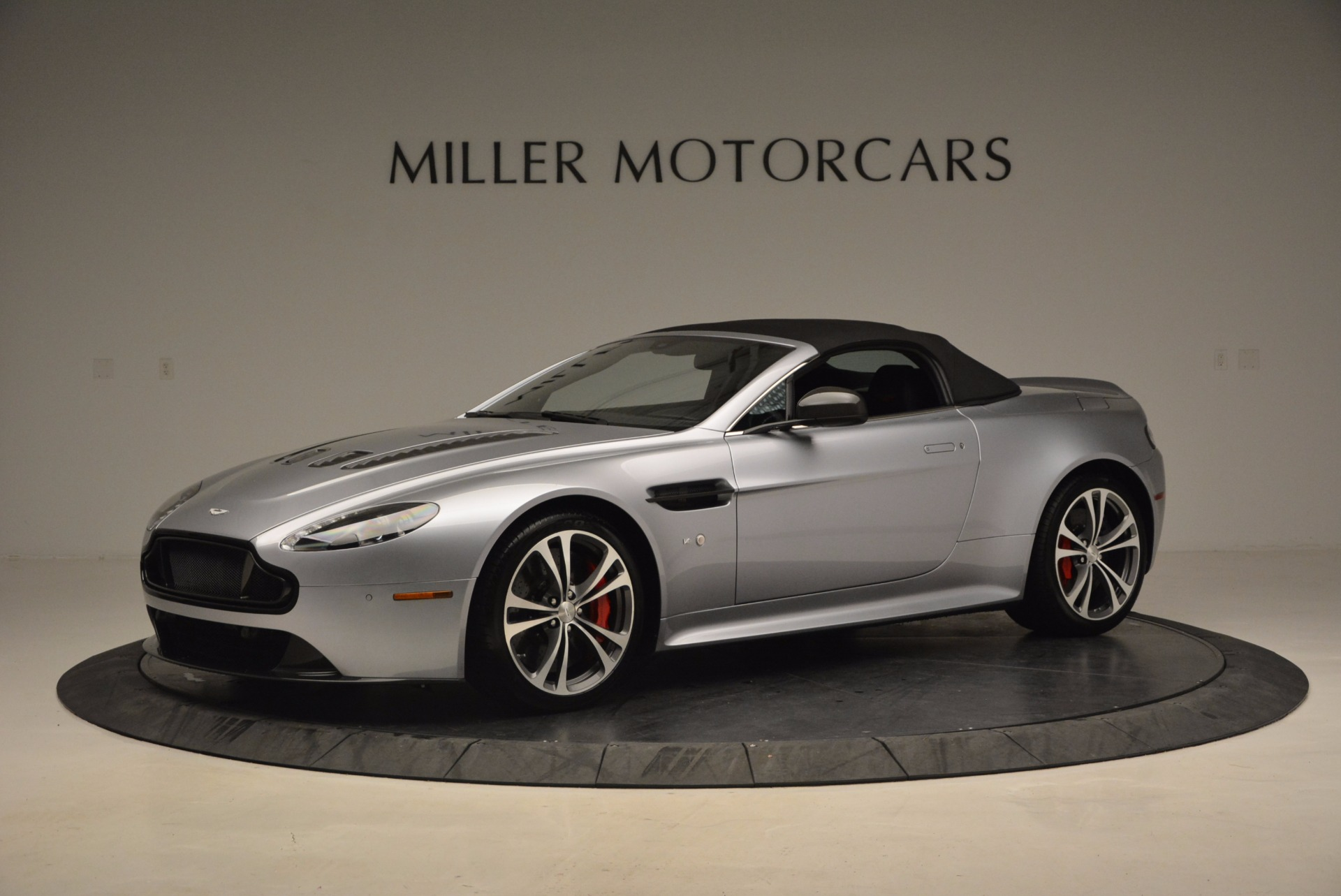 Used 2015 Aston Martin V12 Vantage S Roadster For Sale In Greenwich, CT 1130_p14