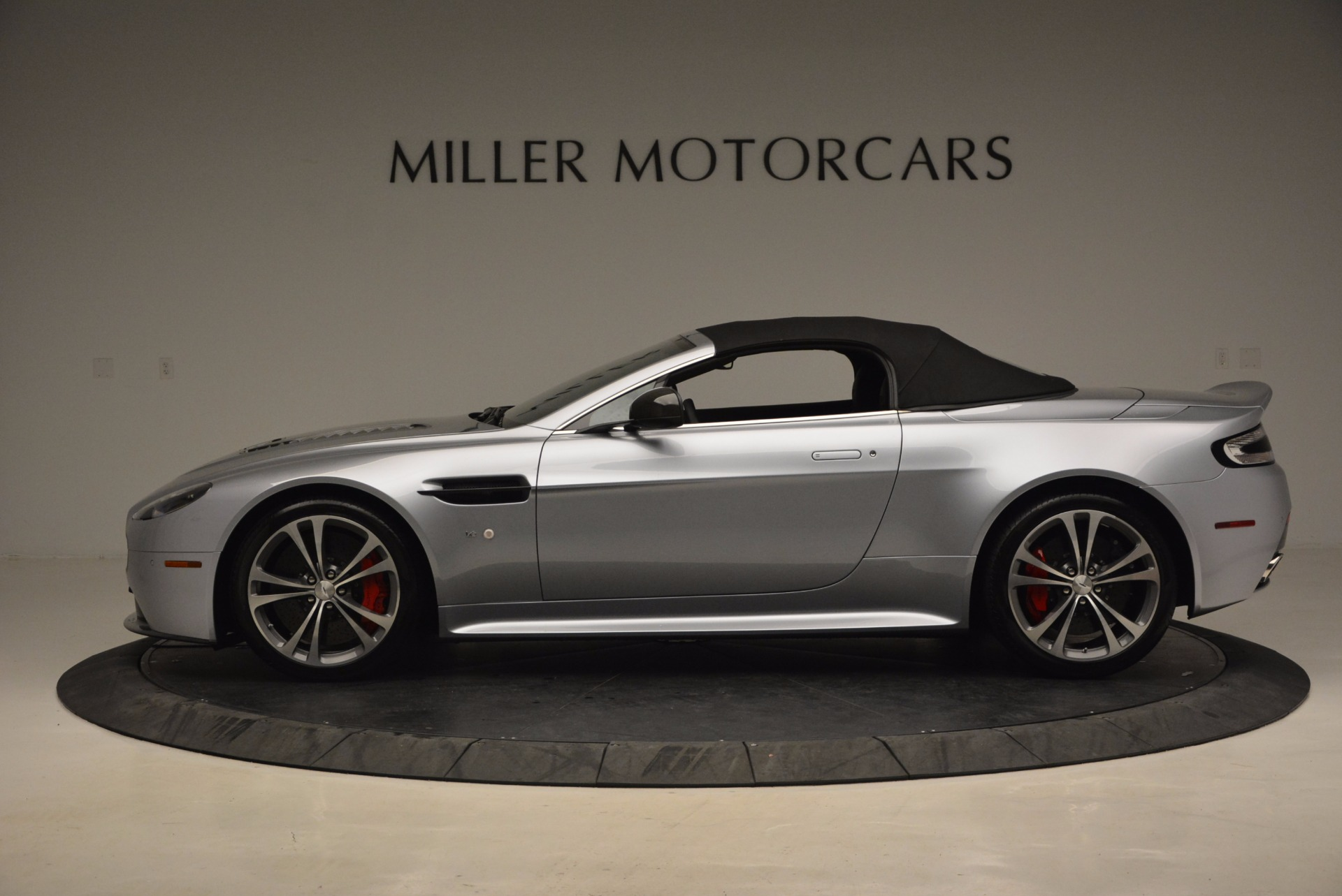 Used 2015 Aston Martin V12 Vantage S Roadster For Sale In Greenwich, CT 1130_p15