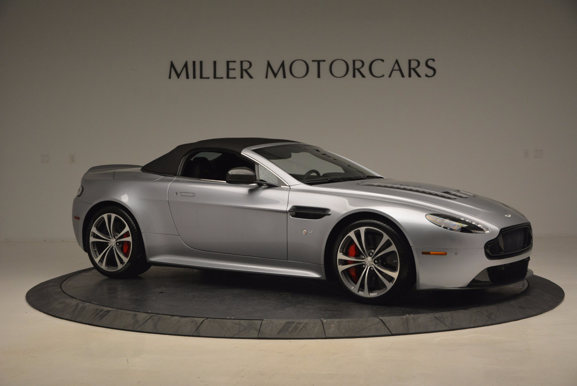 Used 2015 Aston Martin V12 Vantage S Roadster For Sale In Greenwich, CT 1130_p22