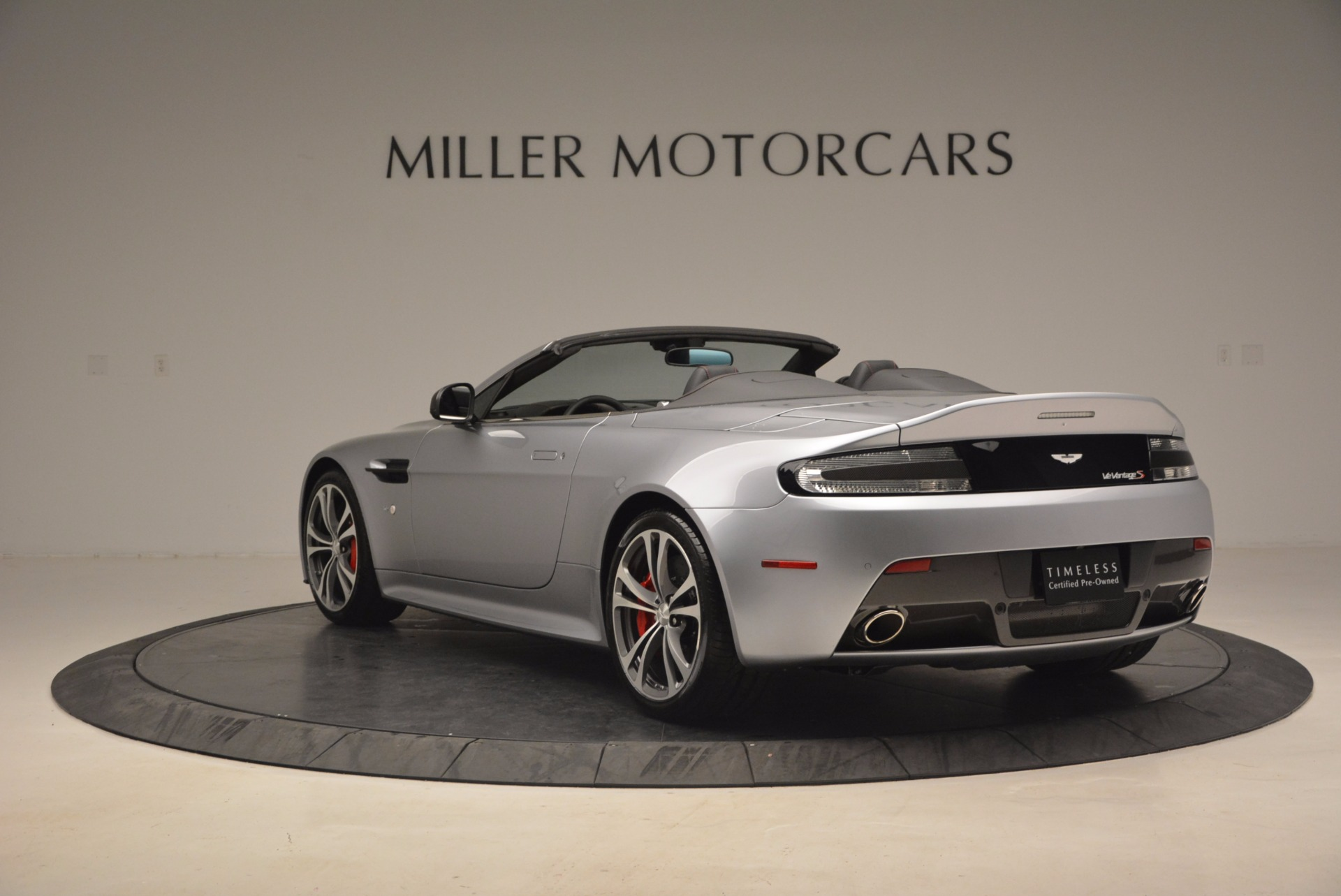 Used 2015 Aston Martin V12 Vantage S Roadster For Sale In Greenwich, CT 1130_p5