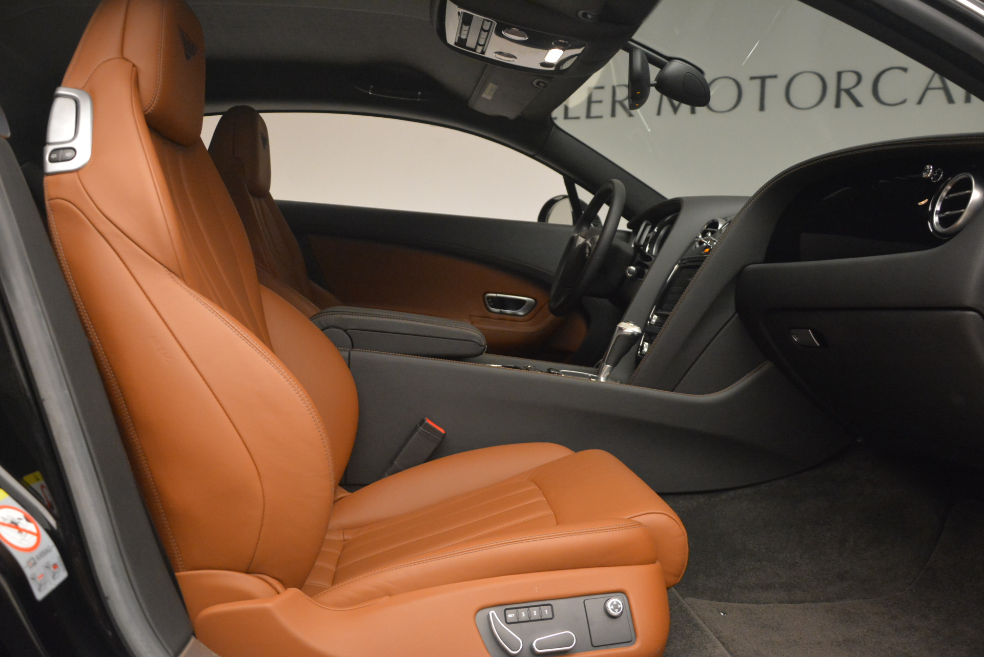 Used 2013 Bentley Continental GT V8 For Sale In Greenwich, CT 1131_p26