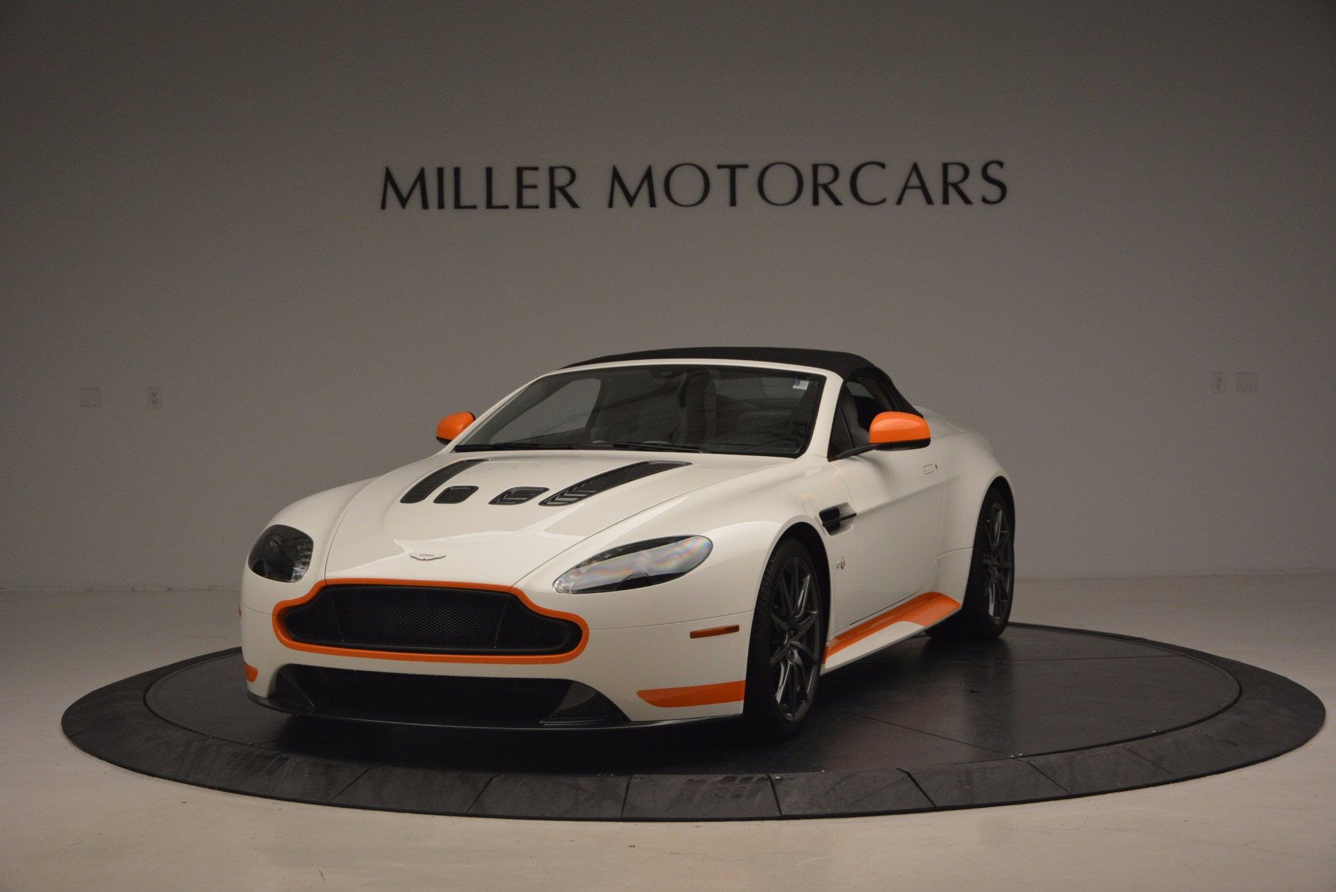 Used 2017 Aston Martin V12 Vantage S Convertible For Sale In Greenwich, CT 1134_p13