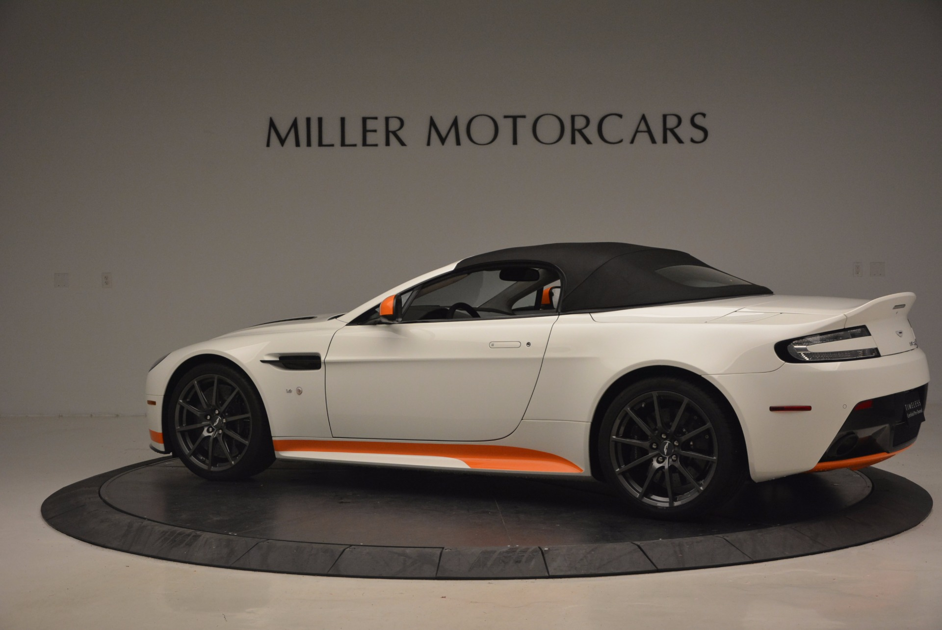Used 2017 Aston Martin V12 Vantage S Convertible For Sale In Greenwich, CT 1134_p16
