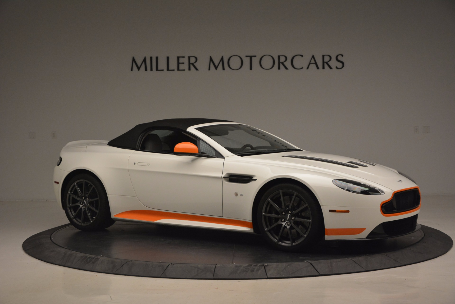 Used 2017 Aston Martin V12 Vantage S Convertible For Sale In Greenwich, CT 1134_p22