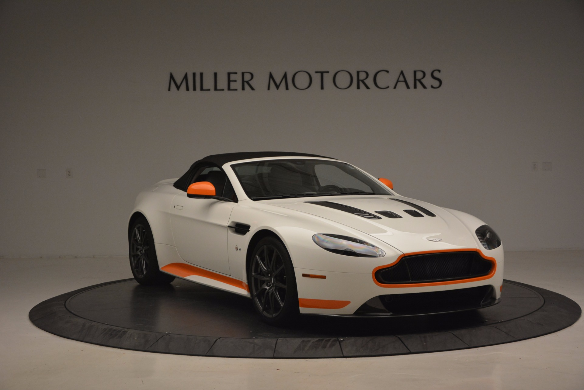 Used 2017 Aston Martin V12 Vantage S Convertible For Sale In Greenwich, CT 1134_p23
