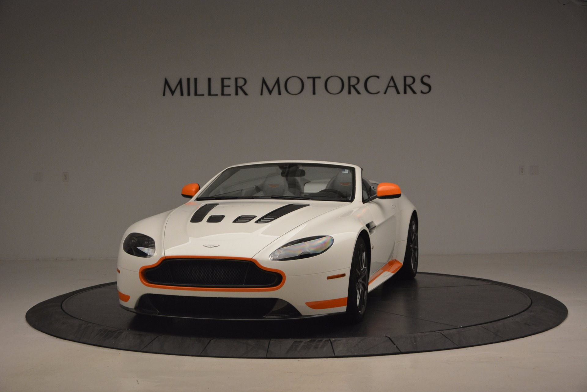 Used 2017 Aston Martin V12 Vantage S Convertible For Sale In Greenwich, CT 1134_p2