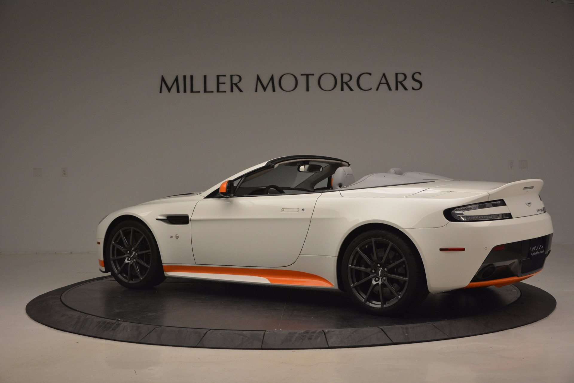 Used 2017 Aston Martin V12 Vantage S Convertible For Sale In Greenwich, CT 1134_p4