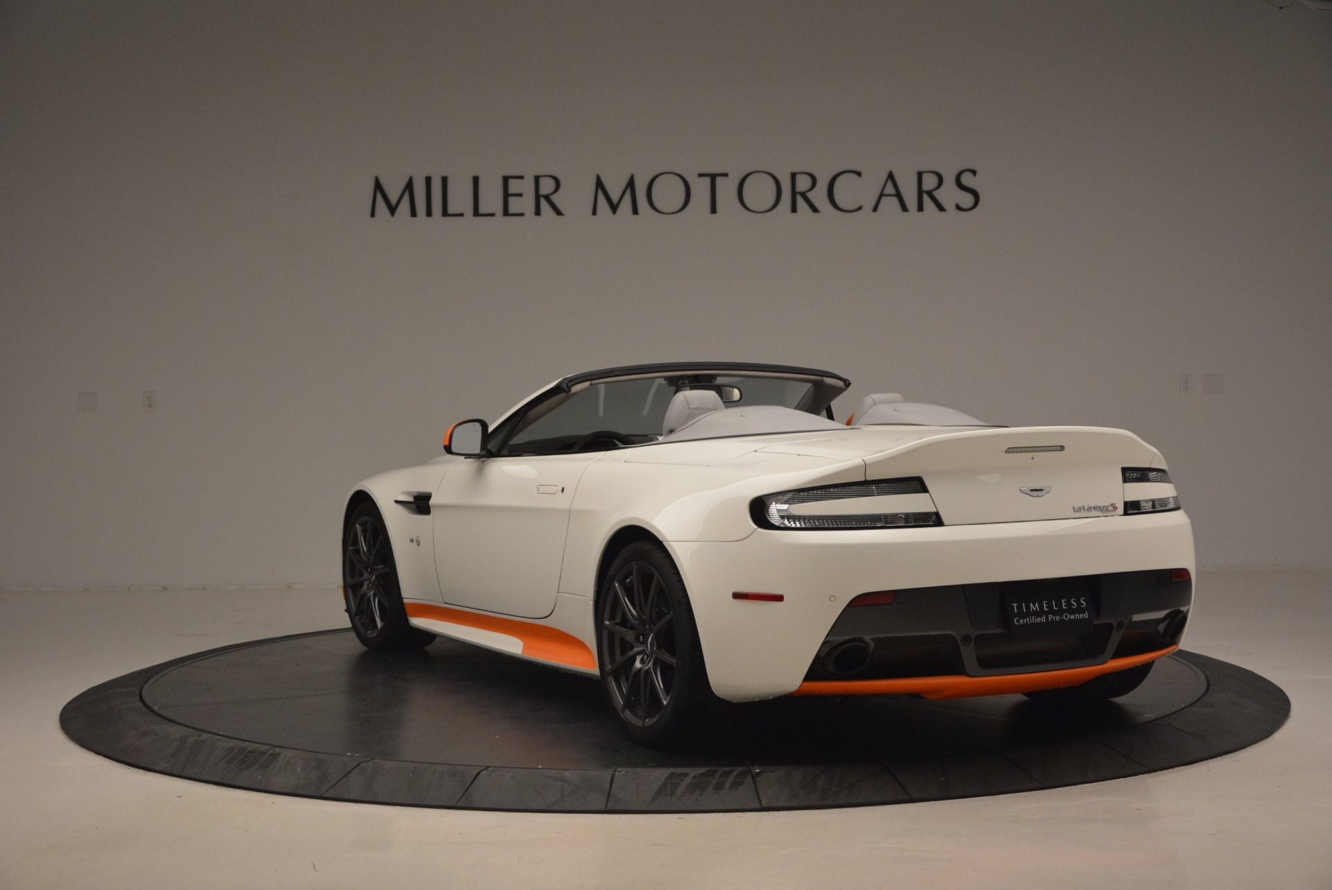 Used 2017 Aston Martin V12 Vantage S Convertible For Sale In Greenwich, CT 1134_p5