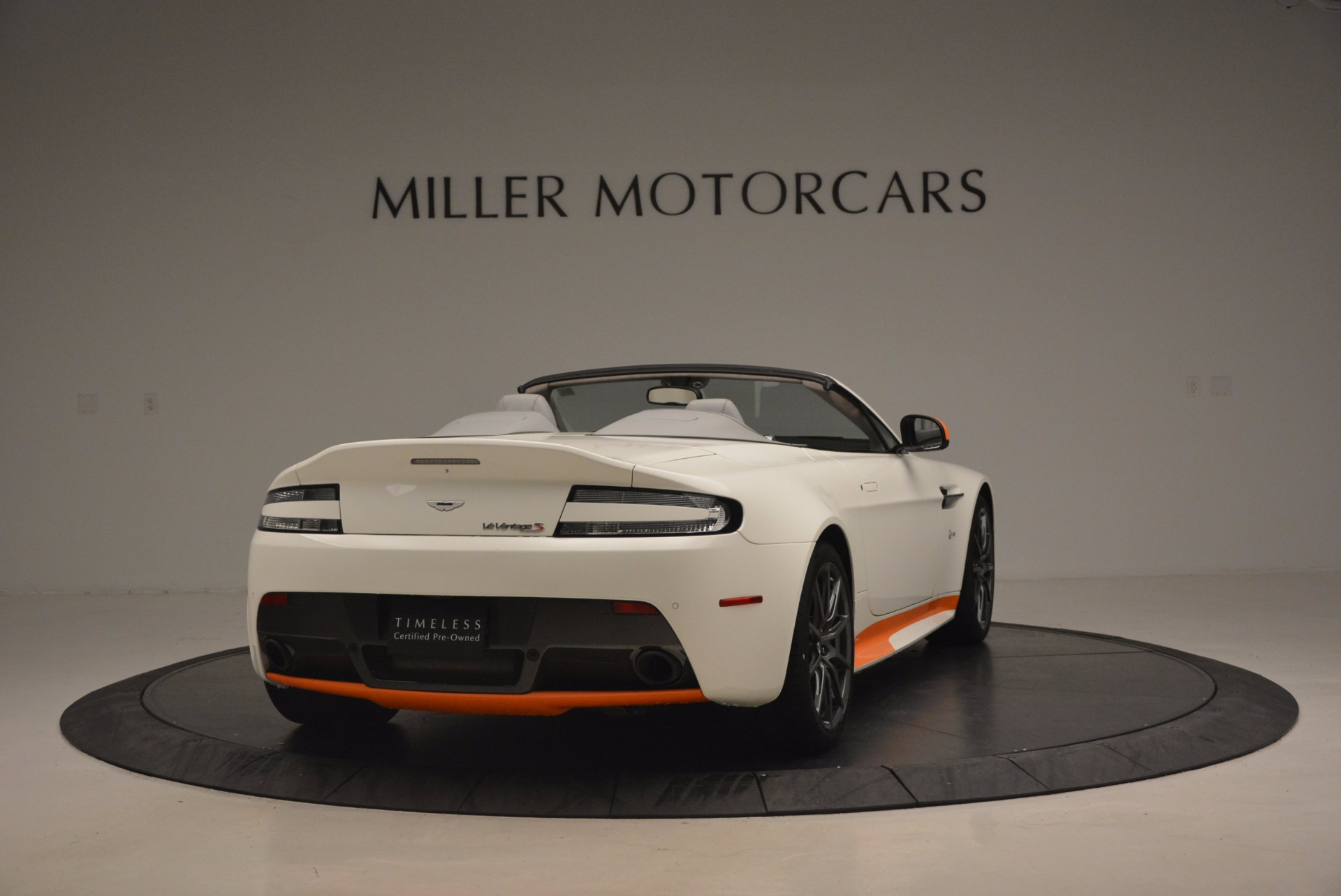 Used 2017 Aston Martin V12 Vantage S Convertible For Sale In Greenwich, CT 1134_p7