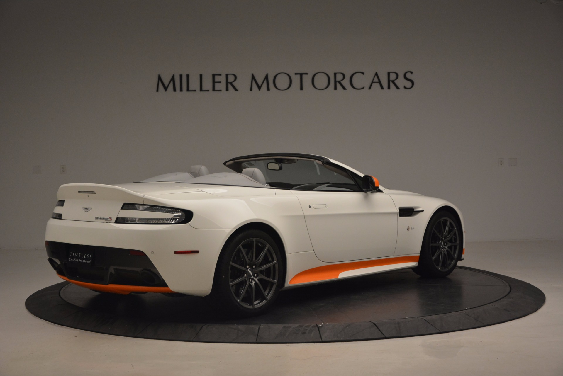 Used 2017 Aston Martin V12 Vantage S Convertible For Sale In Greenwich, CT 1134_p8