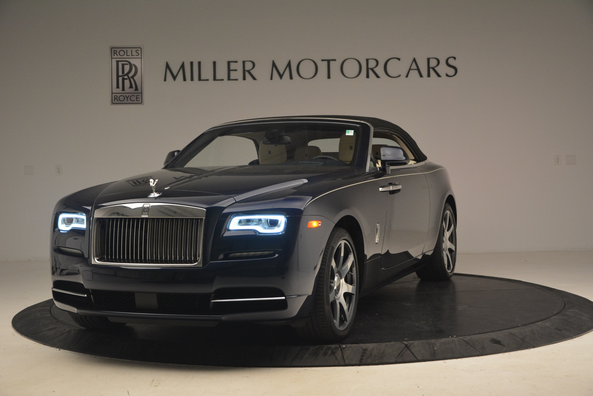 Used 2017 Rolls-Royce Dawn  For Sale In Greenwich, CT 1138_p14
