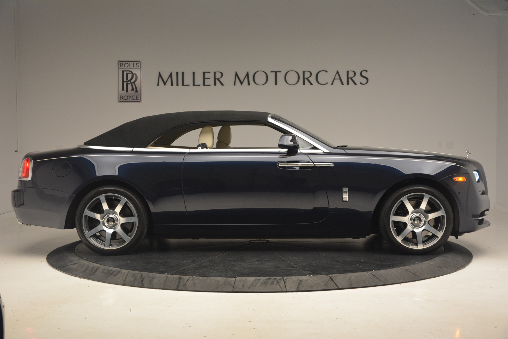 Used 2017 Rolls-Royce Dawn  For Sale In Greenwich, CT 1138_p22
